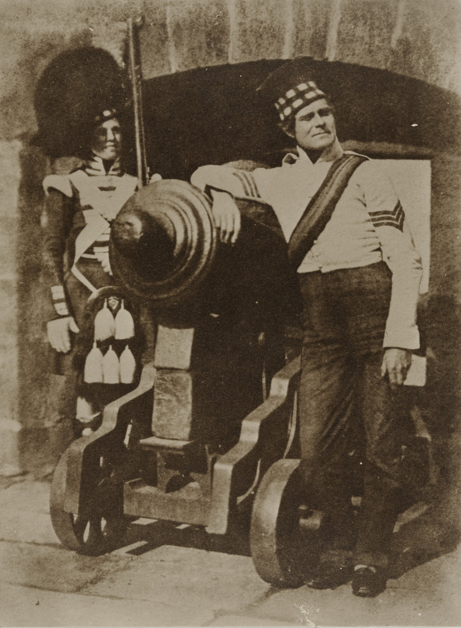 David Octavius Hill, Robert Adamson. Gordon Highlanders at Edinburgh Castle. April 9, 1846