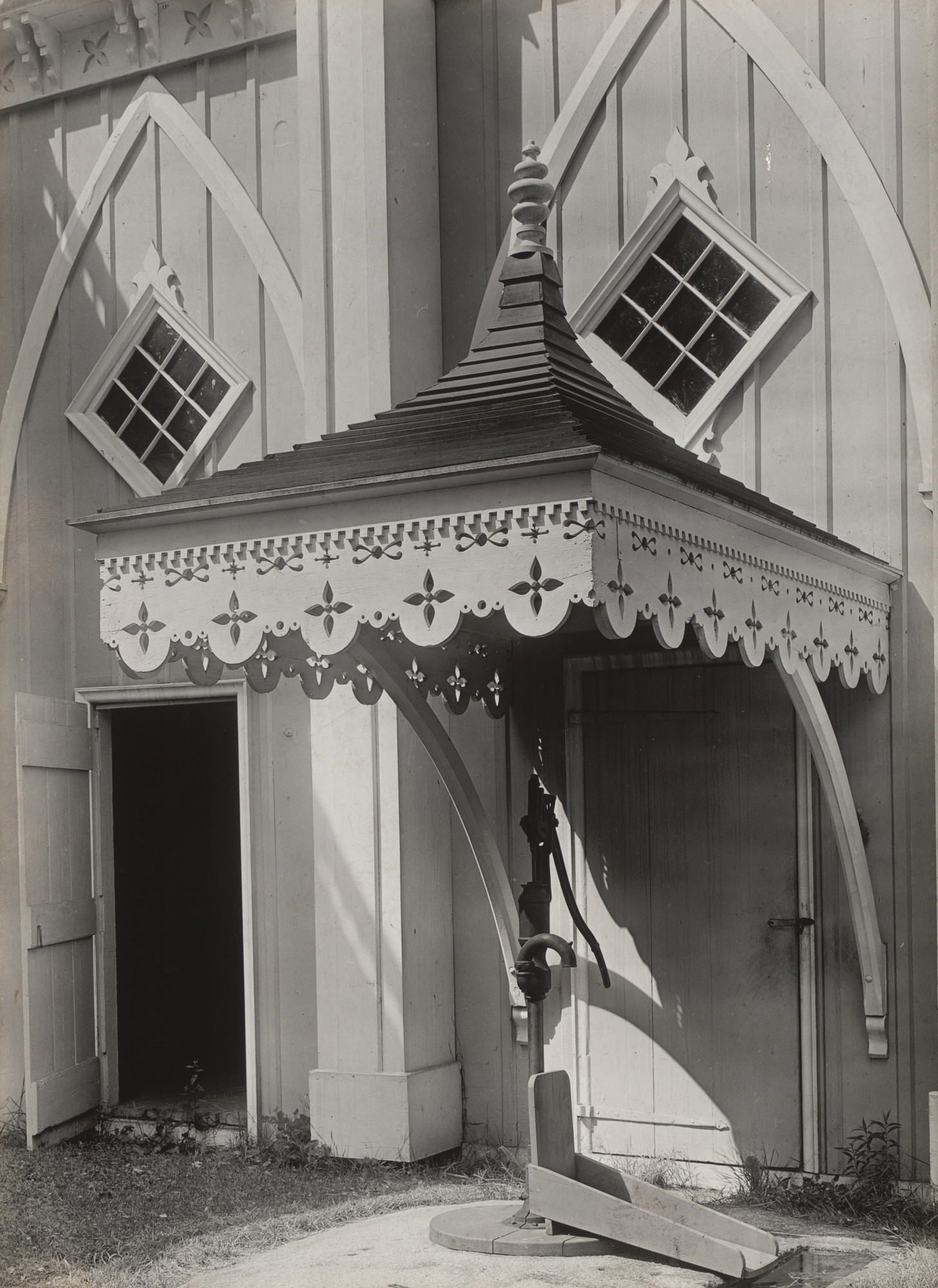 Walker Evans. Maine Pump. 1933