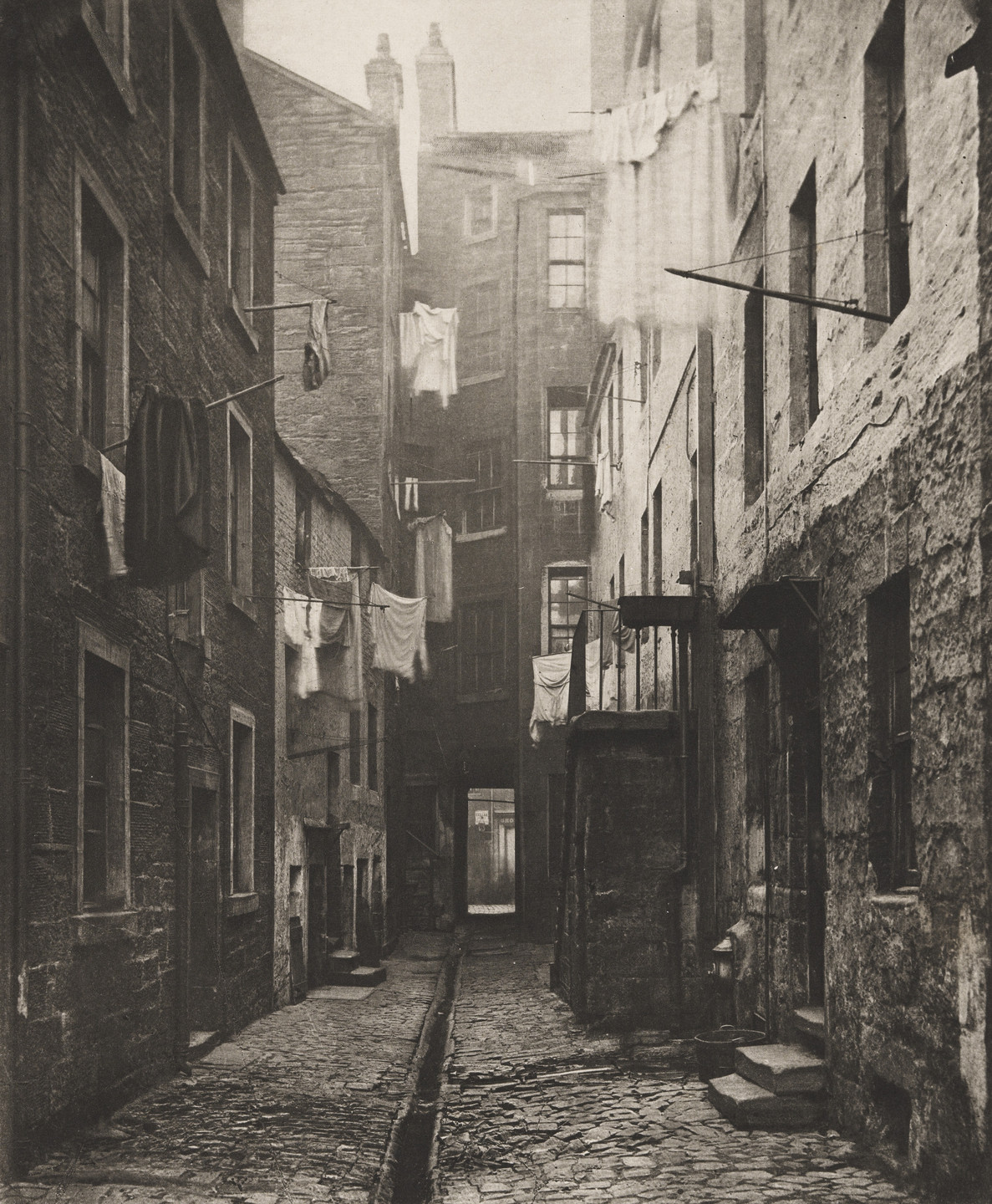 Thomas Annan. Close No. 75 High Street. 1868