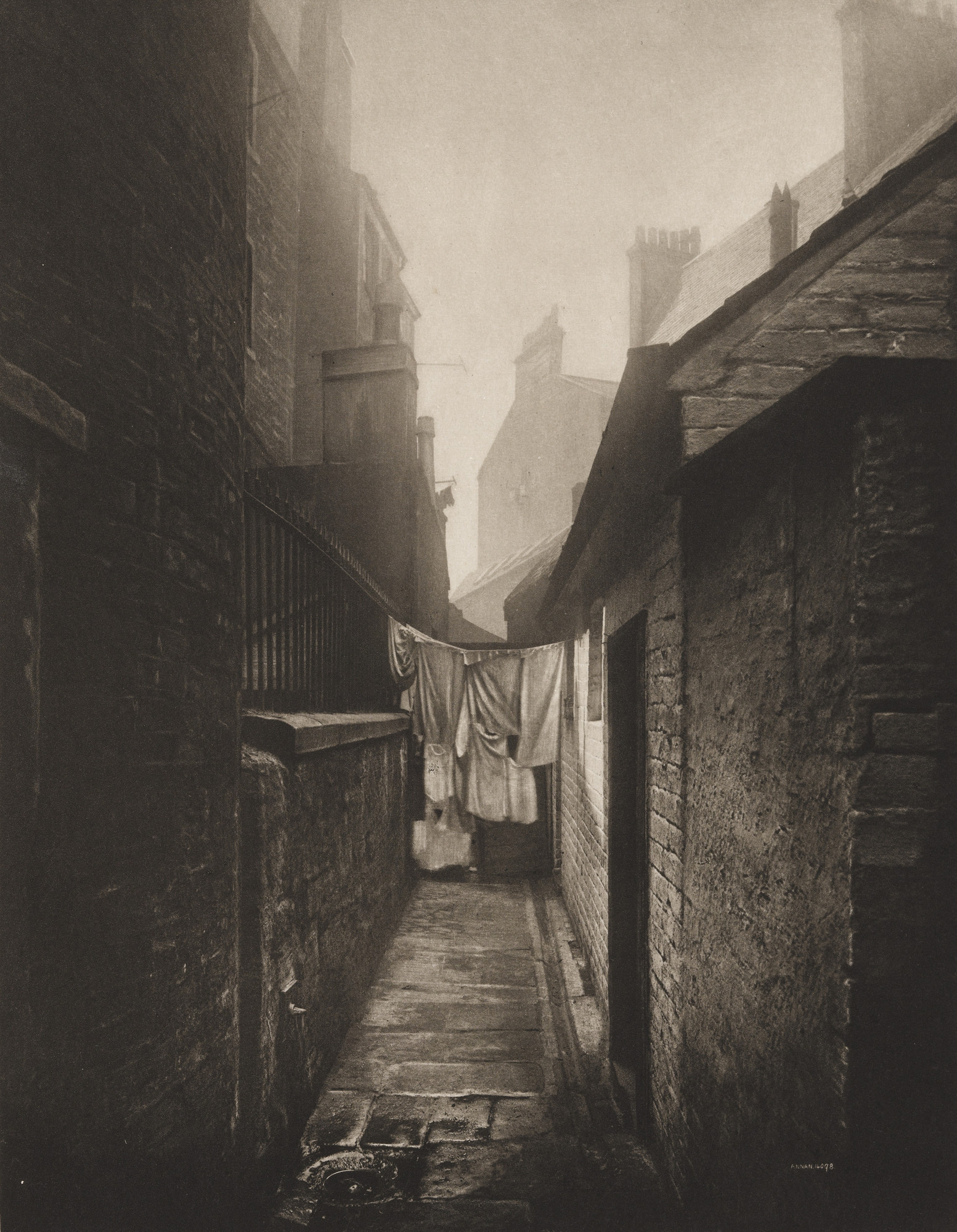 Thomas Annan. Close No. 11 Bridgegate. 1897