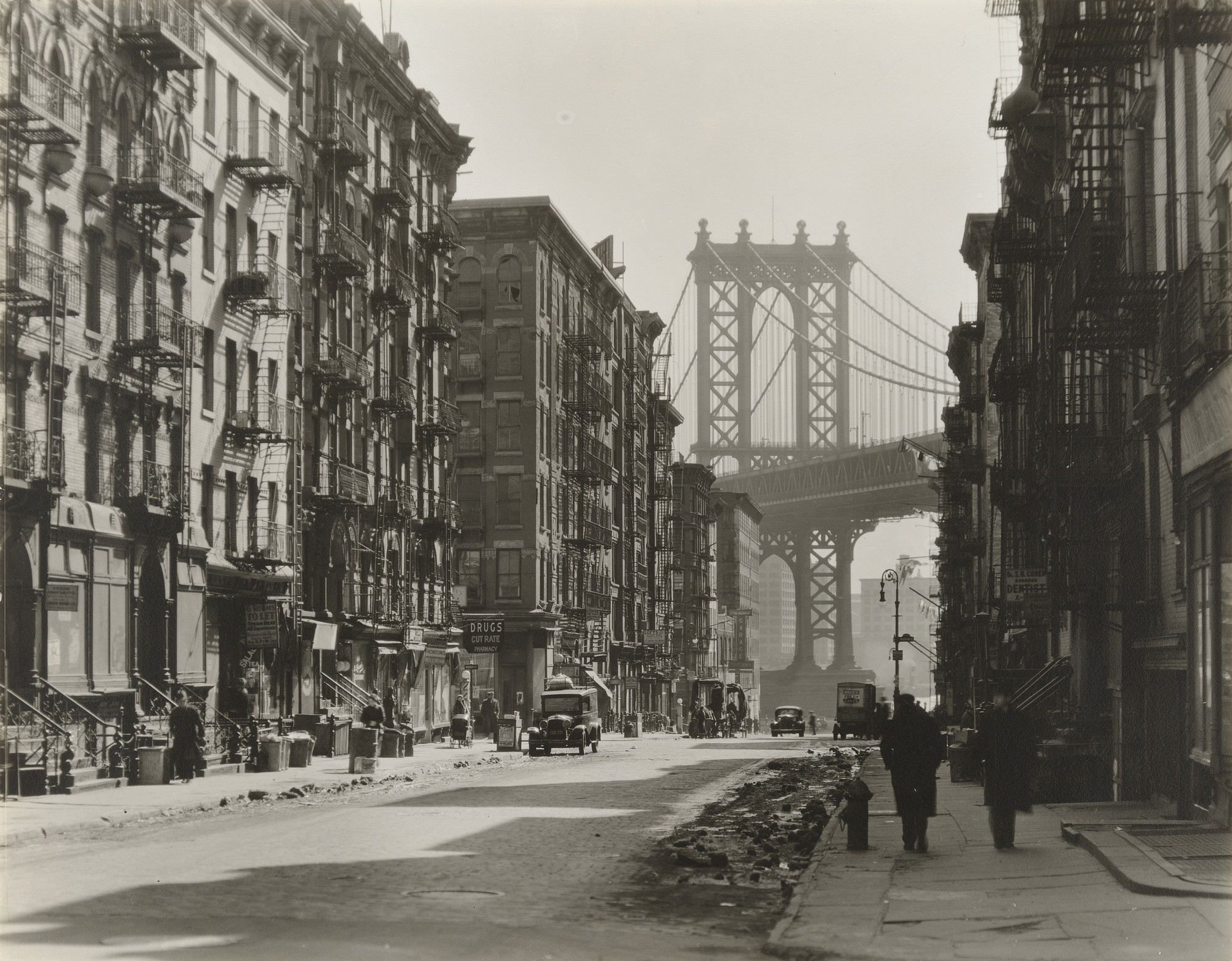 Berenice Abbott. Pike and Henry Streets, Manhattan. March 6, 1936
