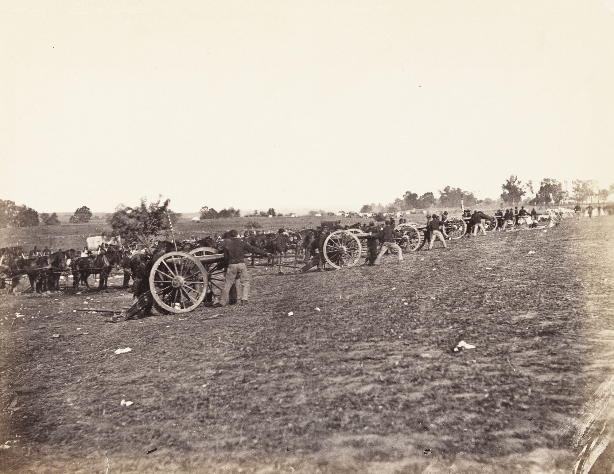 Alexander Gardner, Timothy O'Sullivan. Battery D, Fifth U.S. Artillery in action (Fredericksburg, VA). May, 1862