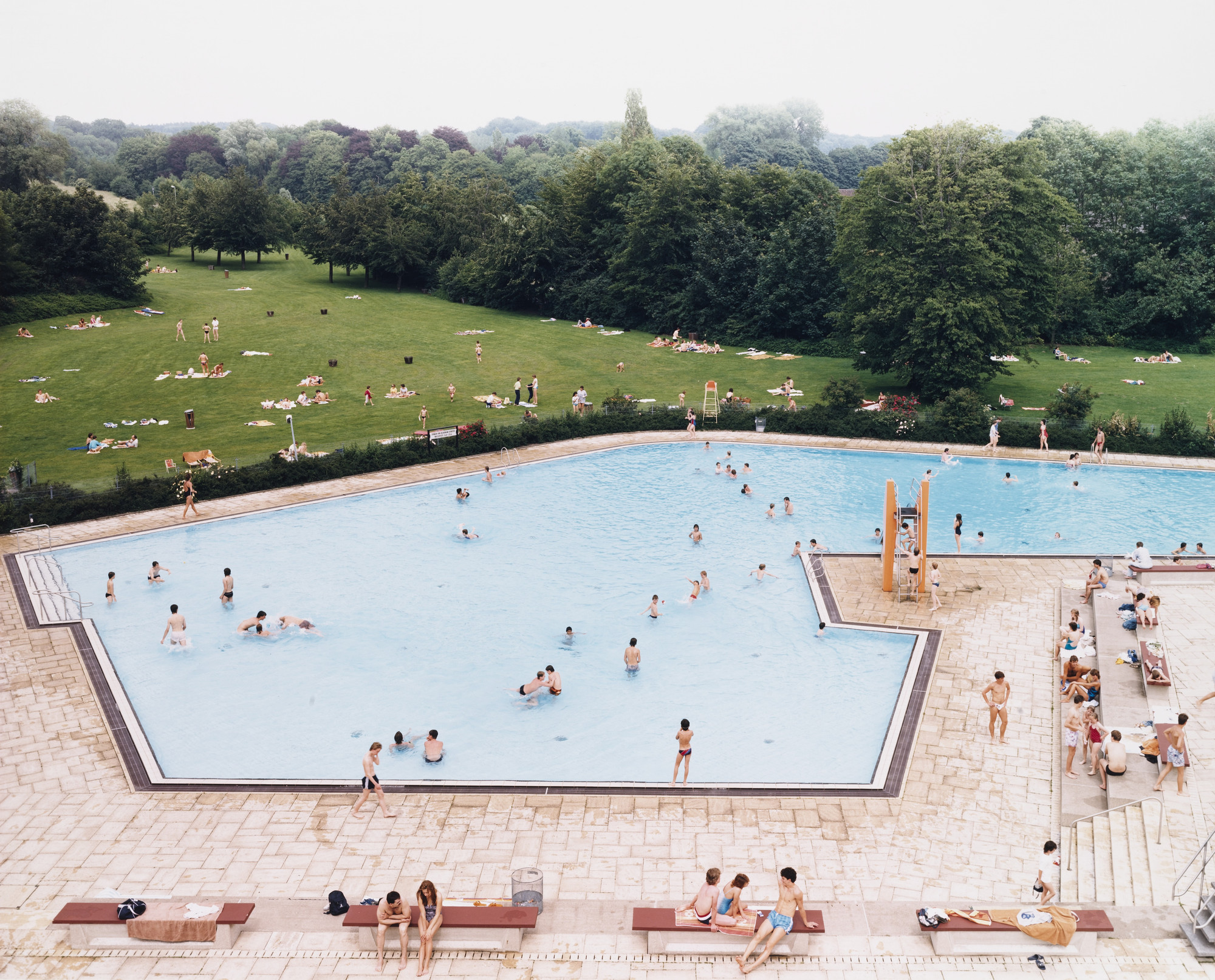 Andreas Gursky. Ratingen Swimming Pool. 1987