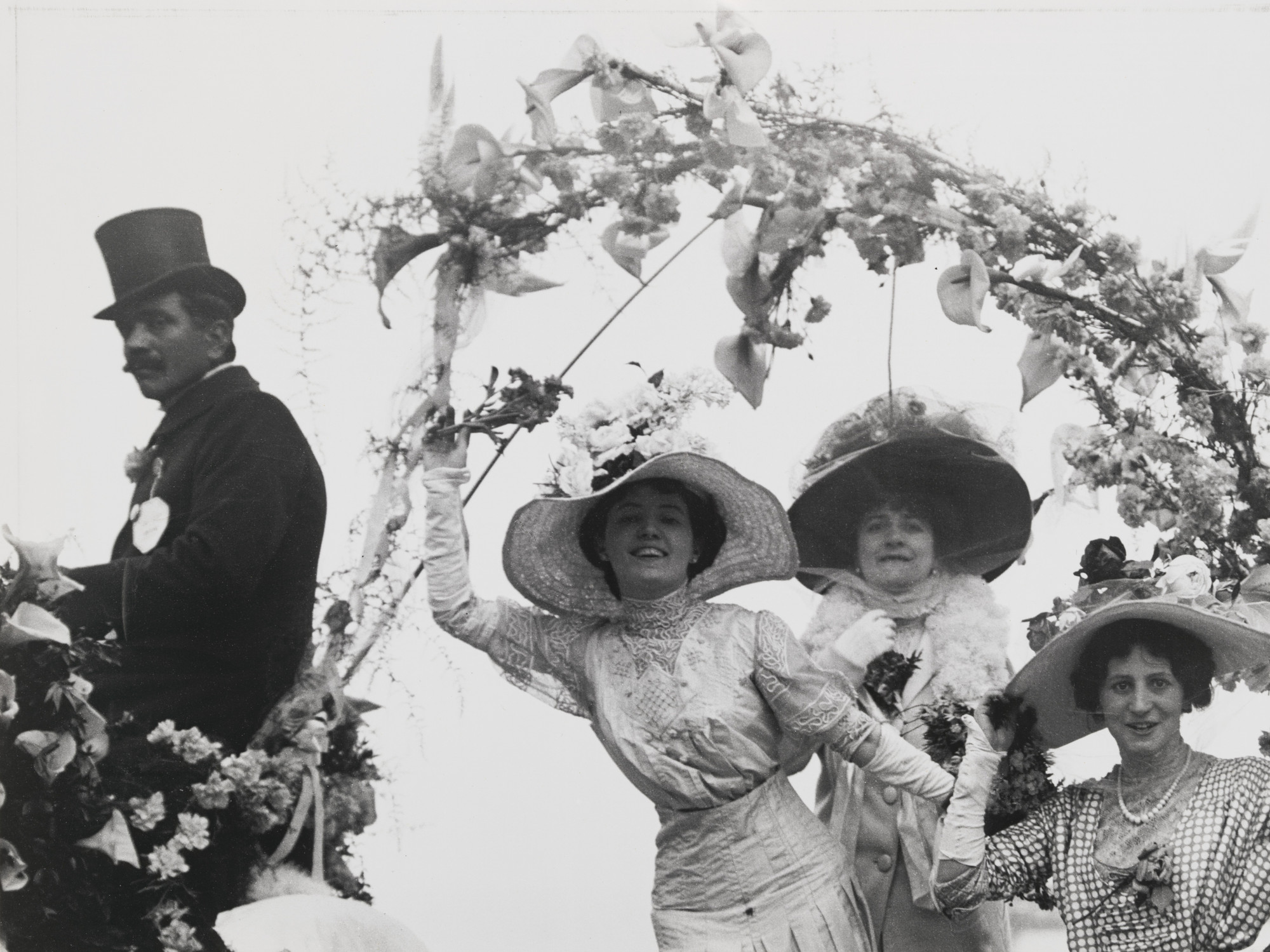 Unknown photographer. Monaco - Bataille de Fleurs. 1910