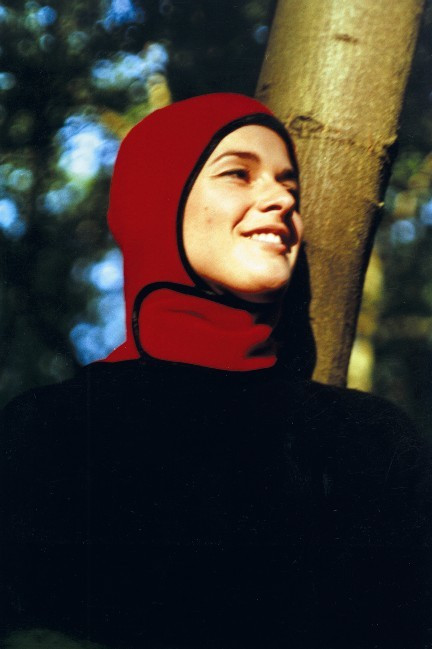 Cindy van den Bremen. Capsters Sports Headgear for Muslim Women. Outdoors version. 1999