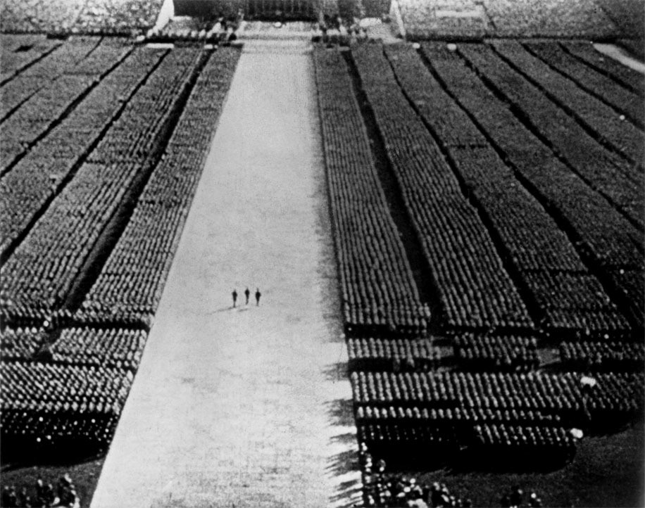 Leni Riefenstahl. Der Triumph des Willens (Triumph of the Will). 1936
