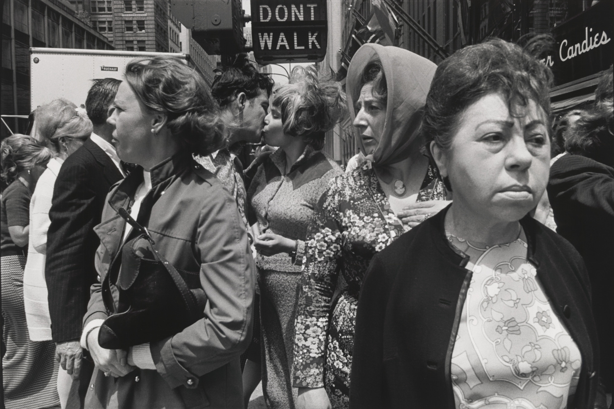 Tod Papageorge. Fifth Avenue. 1970