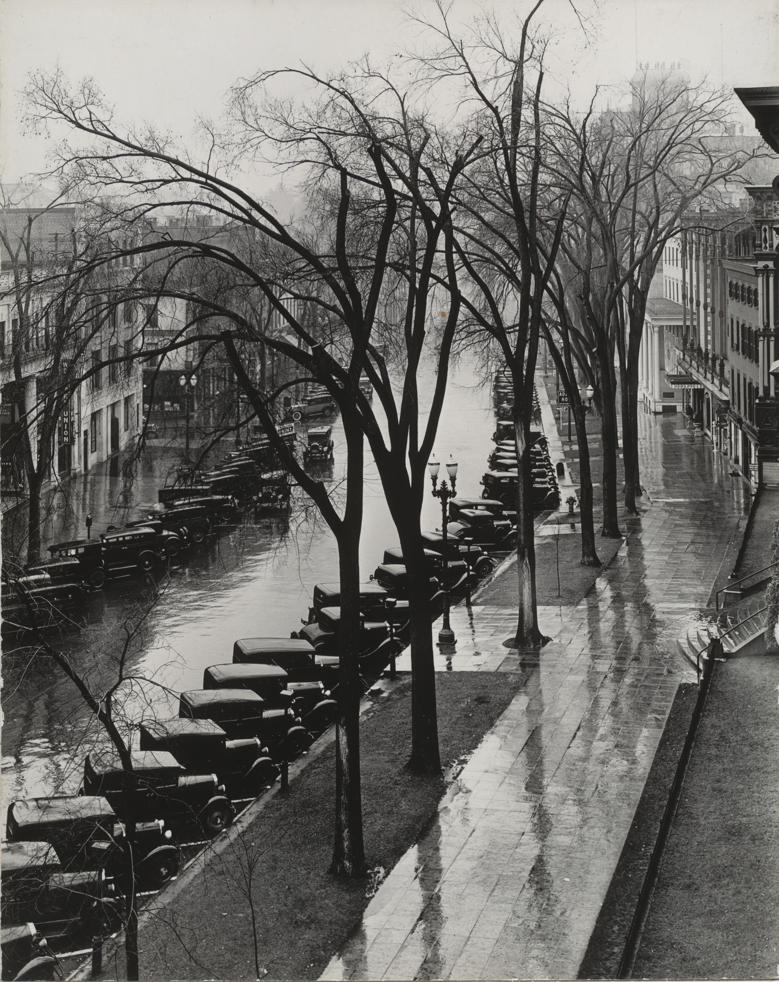 Walker Evans. Main Street, Saratoga Springs, New York. 1931