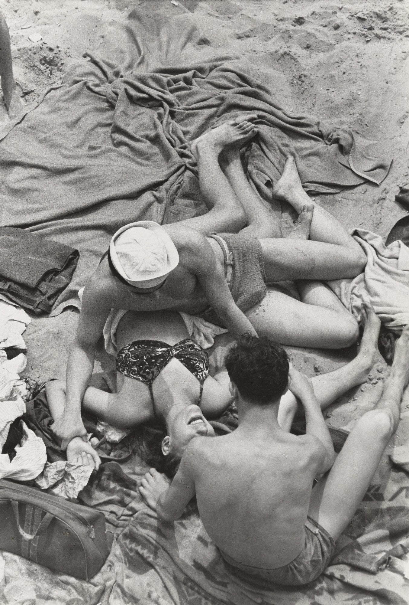 Henri Cartier-Bresson. Coney Island, New York. 1946