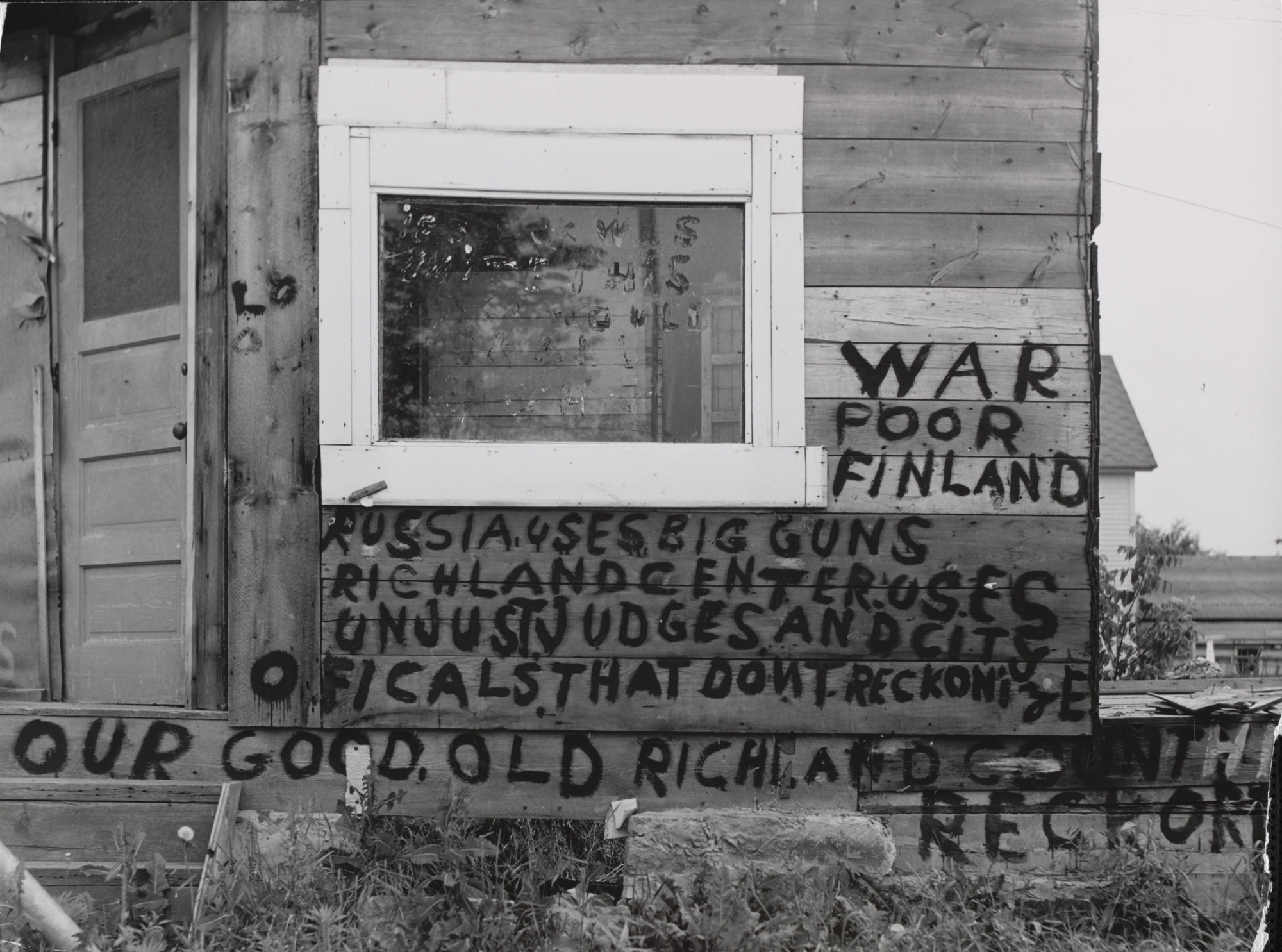 John Vachon. Sign on Building, Richland Center, Wisconsin. 1941