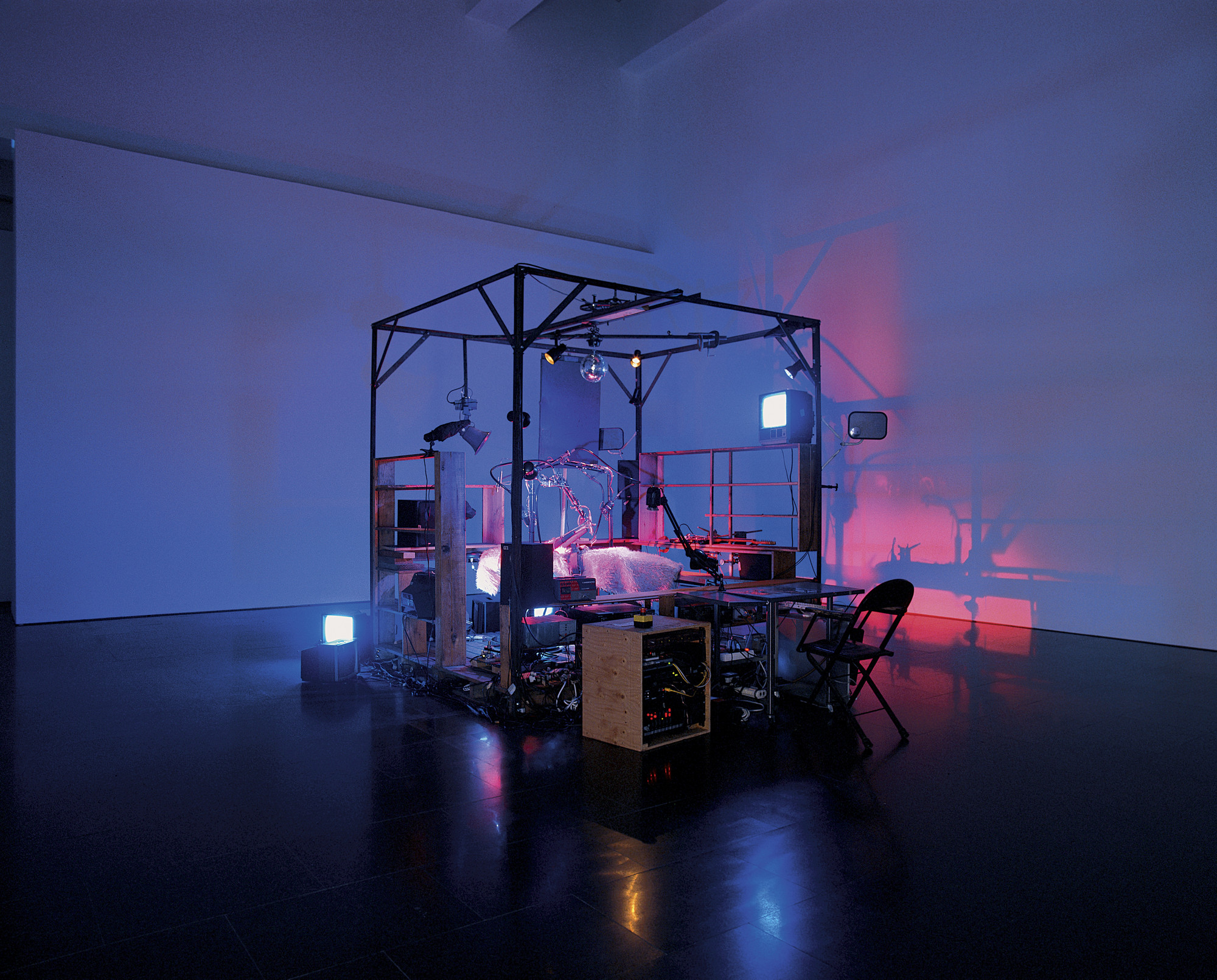 Janet Cardiff, George Bures Miller. The Killing Machine. 2007