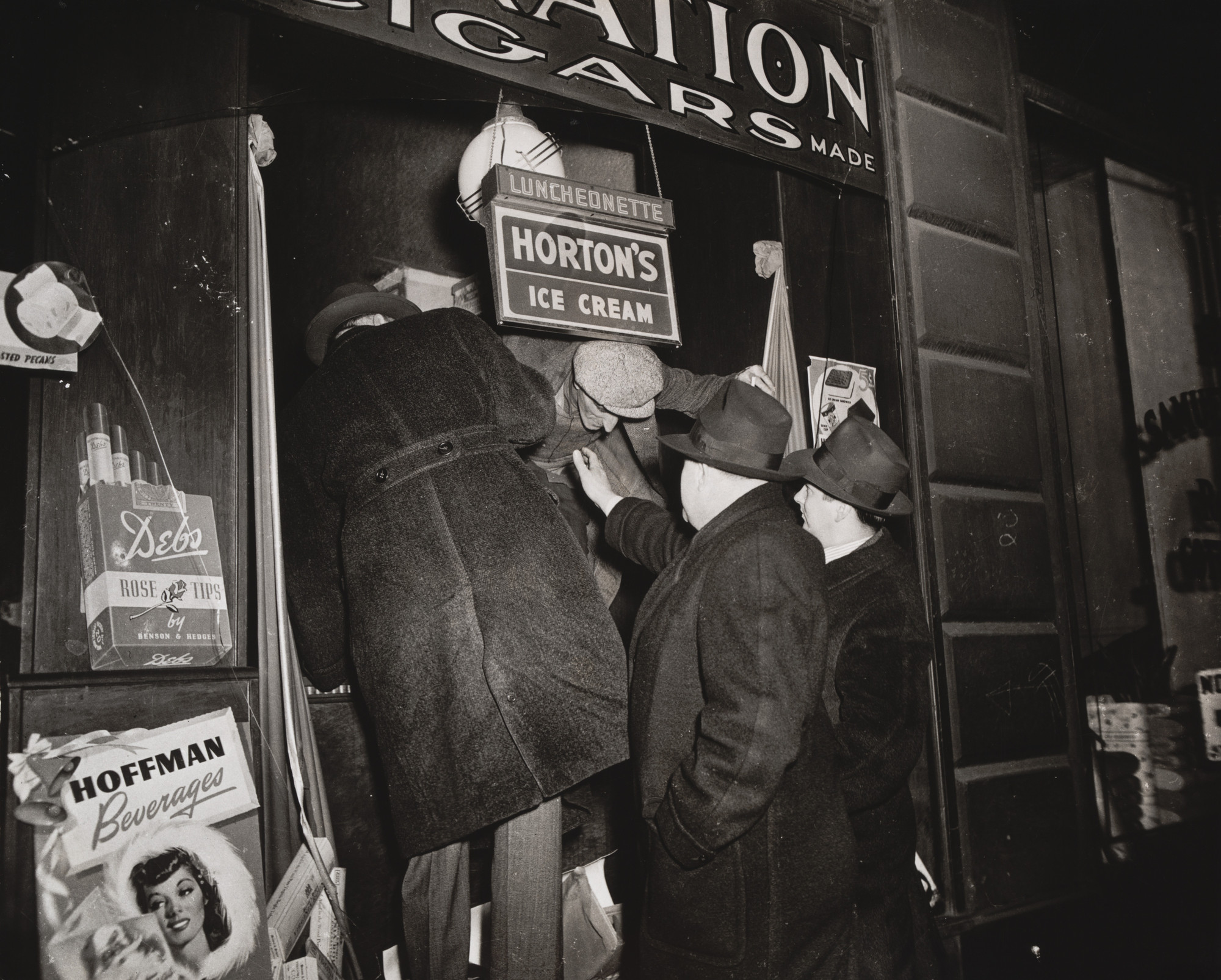Weegee (Arthur Fellig). Captured Burglar. 1941