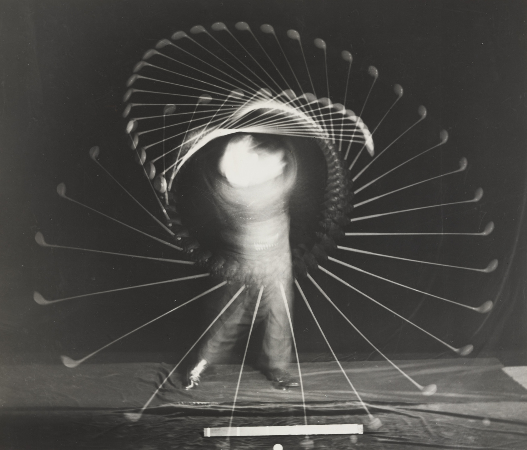 Harold Eugene Edgerton. Bobby Jones with a Driver. 1938