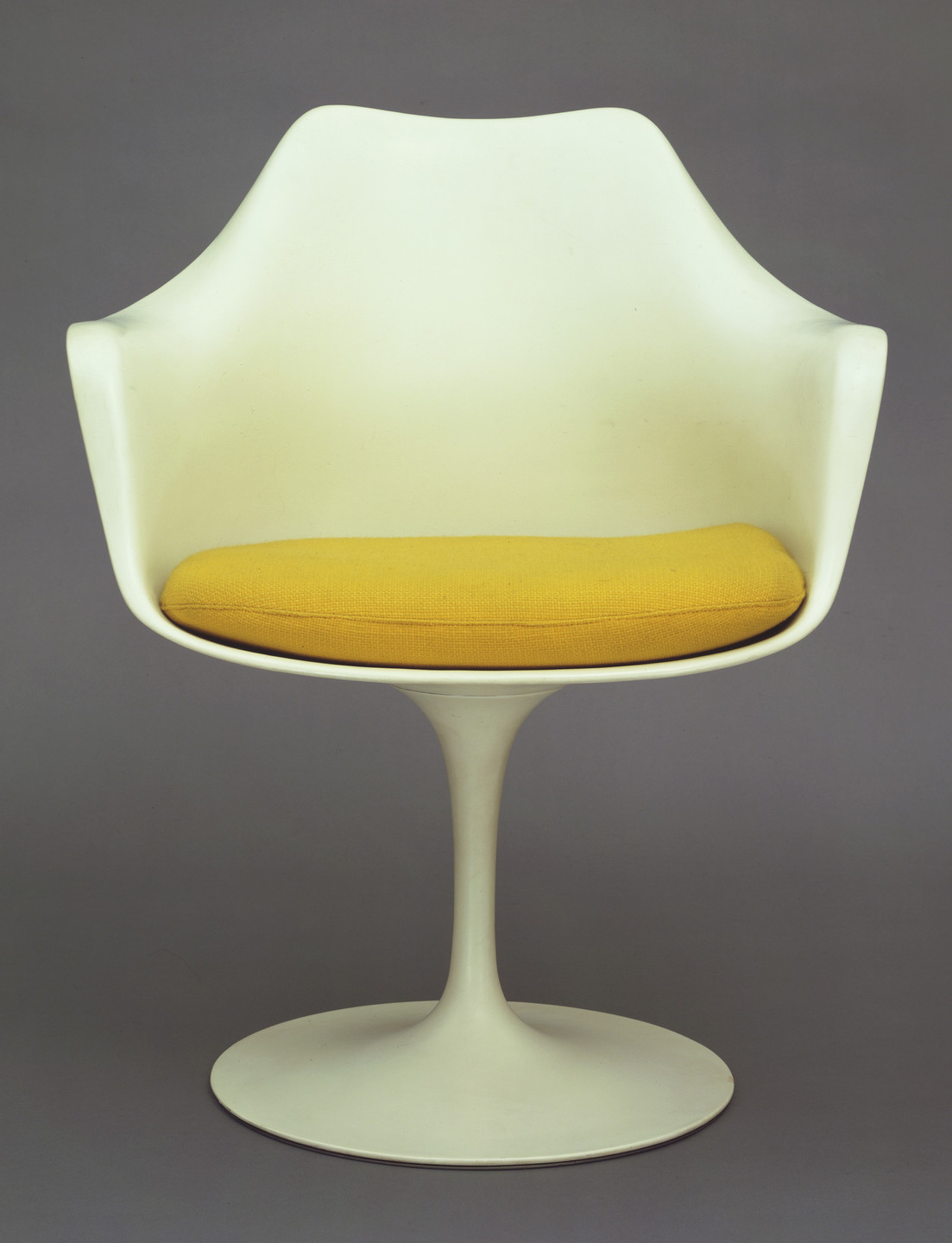 Eero Saarinen. Tulip Armchair (model 150). 1955-56