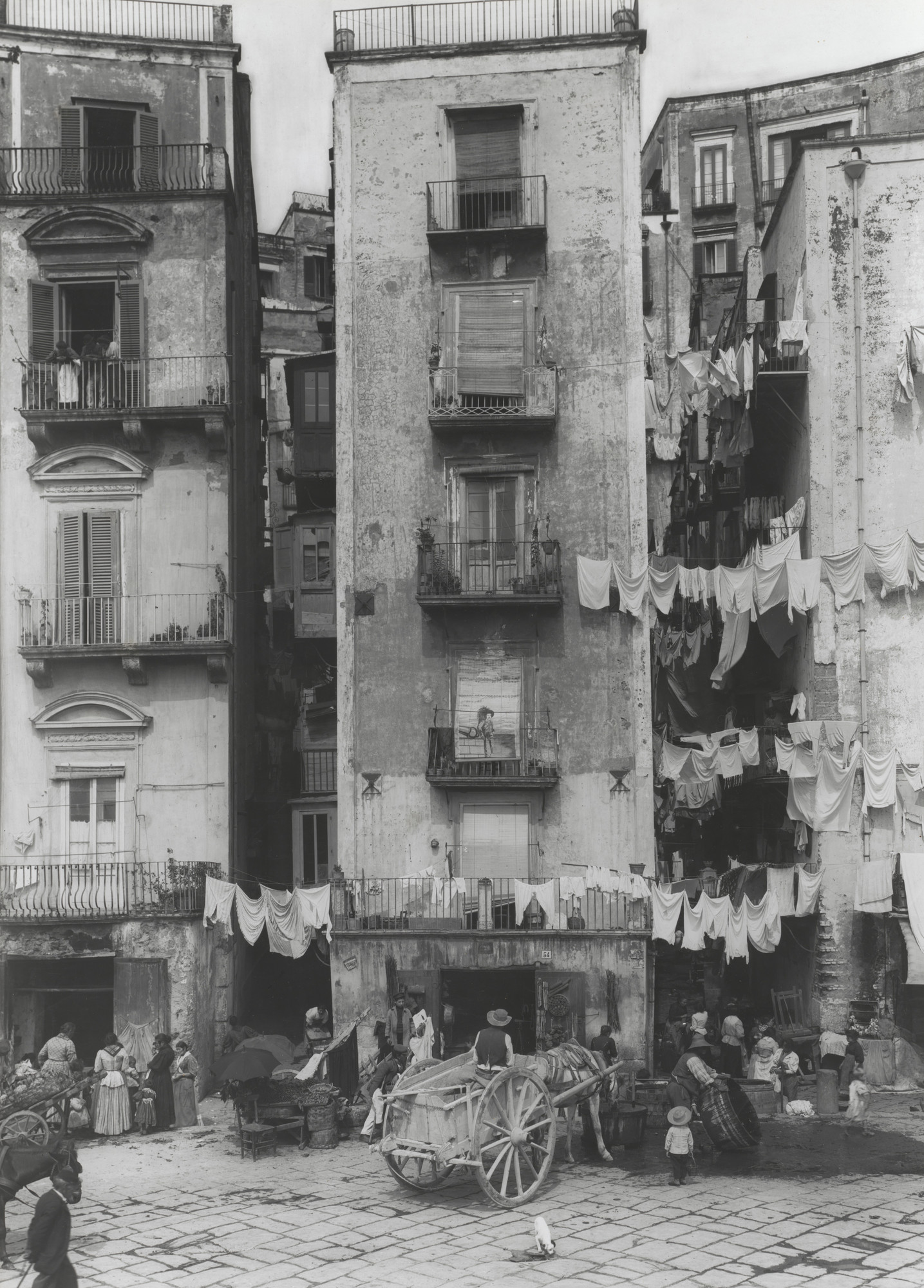 Unknown photographer. Street in Naples. 1850-99