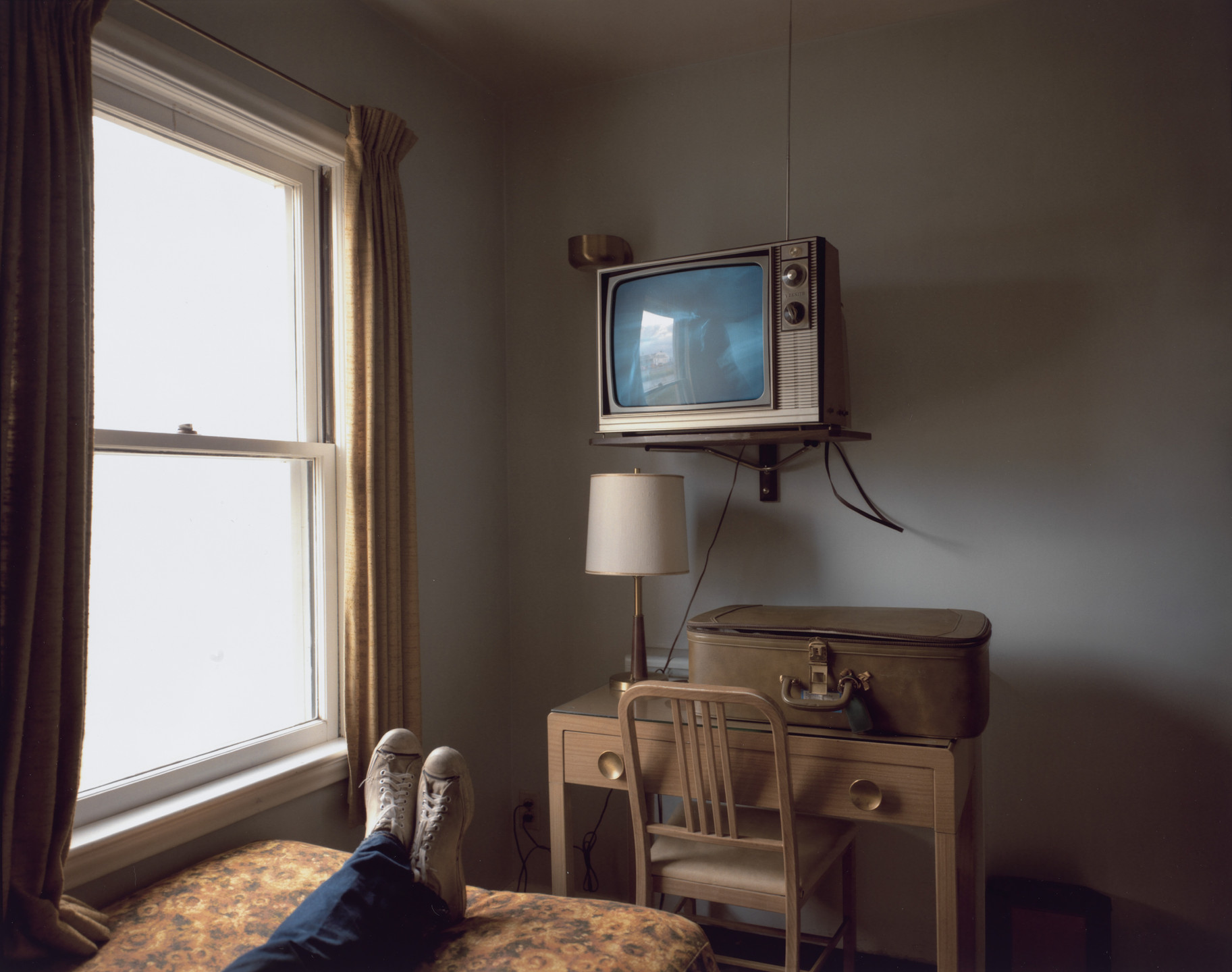 Stephen Shore. Room 125, Westbank Motel, Idaho Falls, Idaho, July 18, 1973. 1973