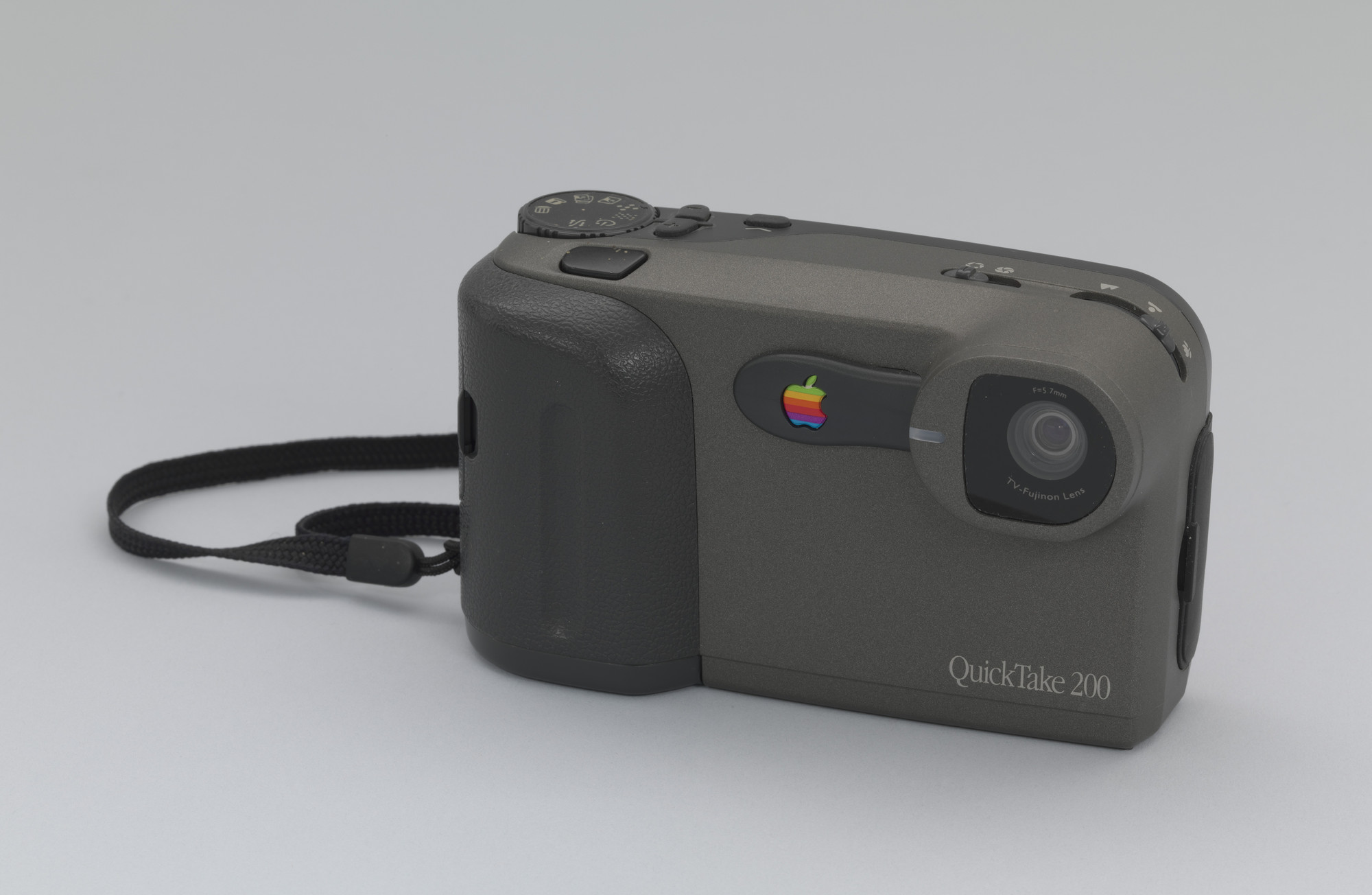 Apple, Inc.. Quick Take 200 Digital Camera. 1996