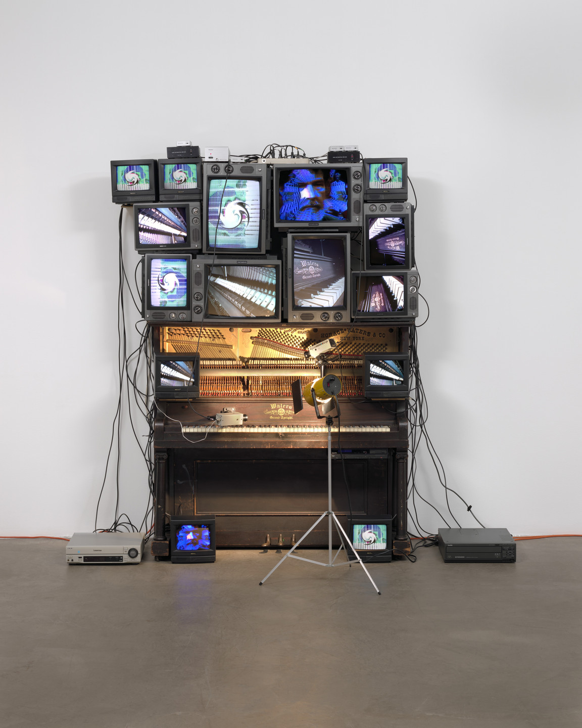 Nam June Paik. Untitled. 1993
