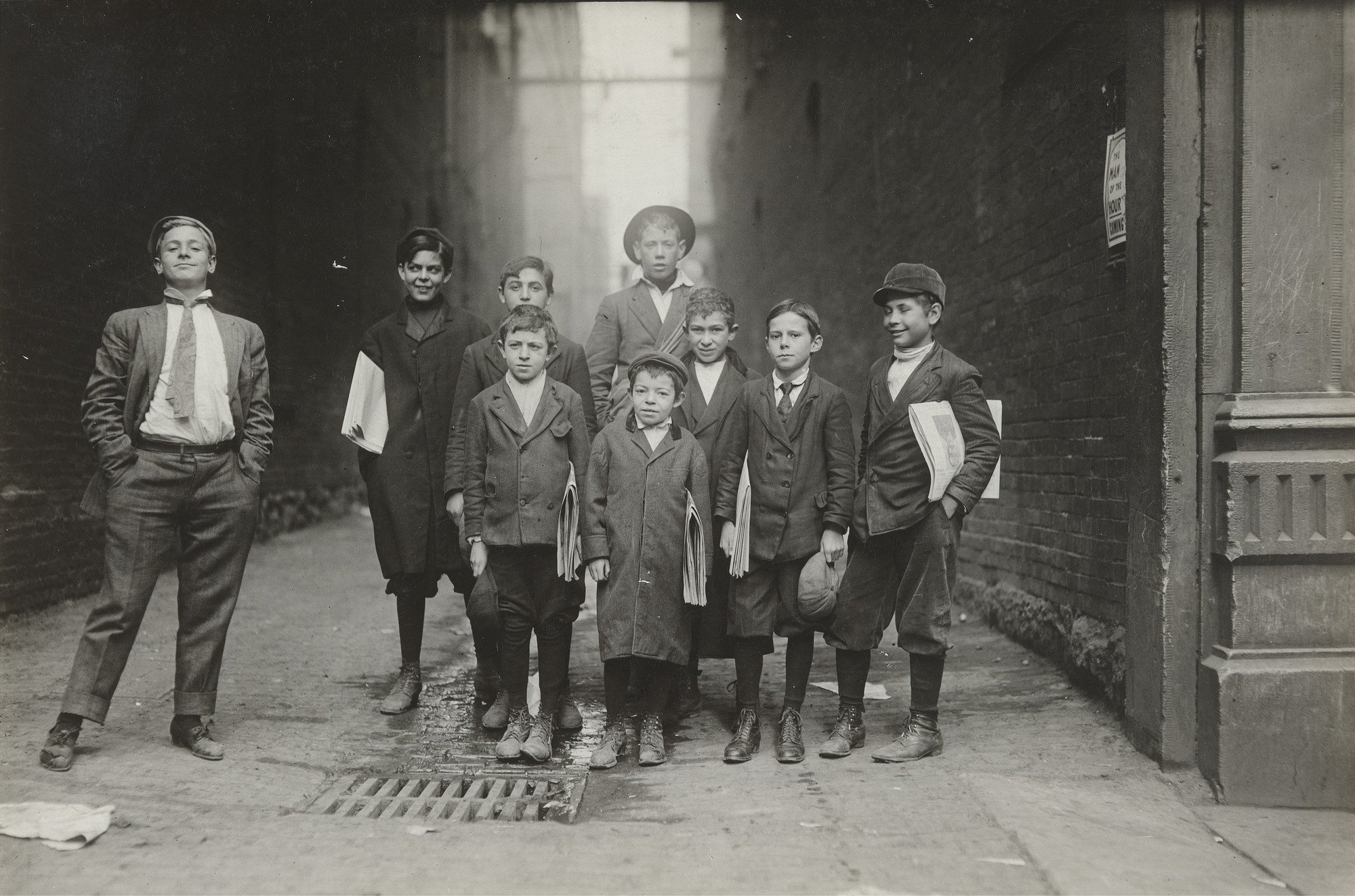 Lewis W. Hine. Group of Nashville Newsies, Tennessee. 1910