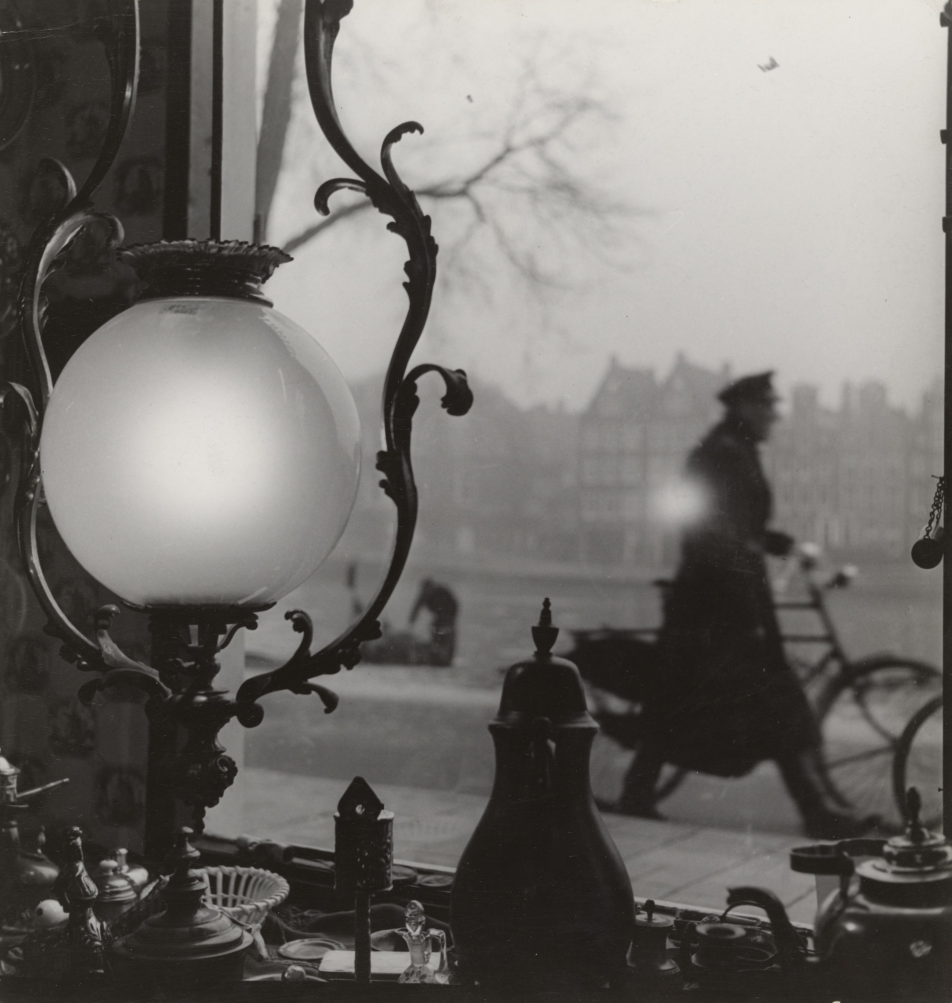 Emmy Andriesse. Untitled. c. 1945