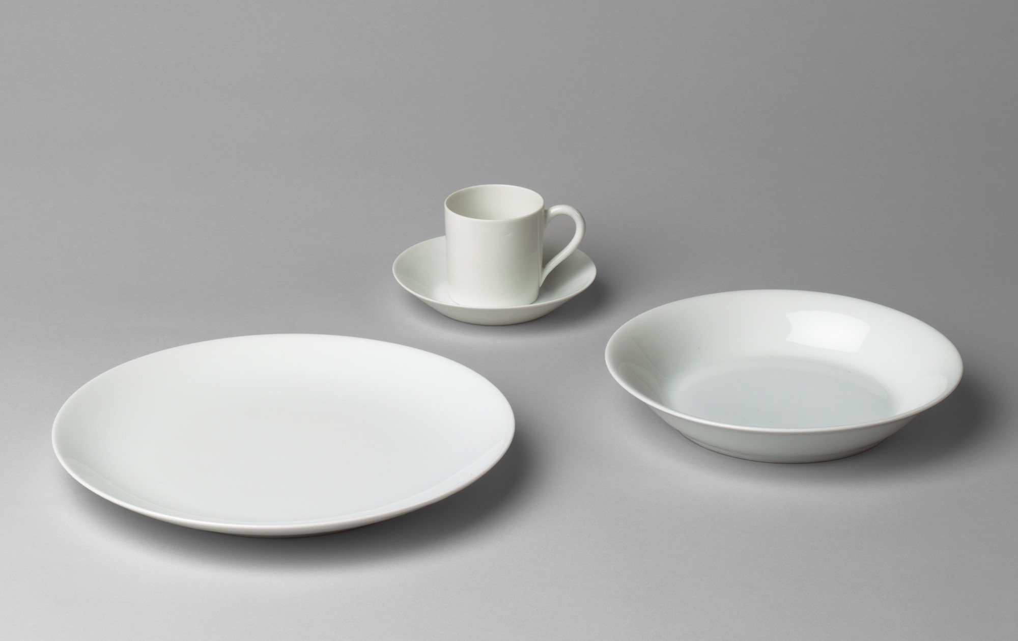 André Giraud & Brousseau, Limoges, France  Dinnerware