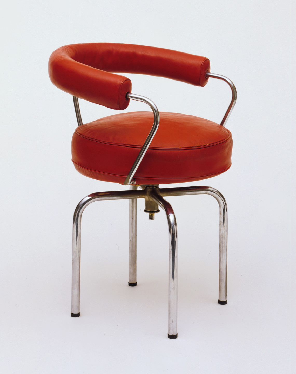 Charlotte Perriand. Revolving Armchair. 1928