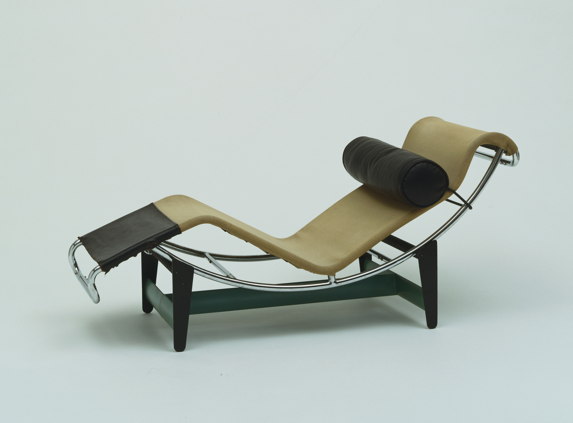 lounge corbusier chaise sale belgium wauwshop en le for