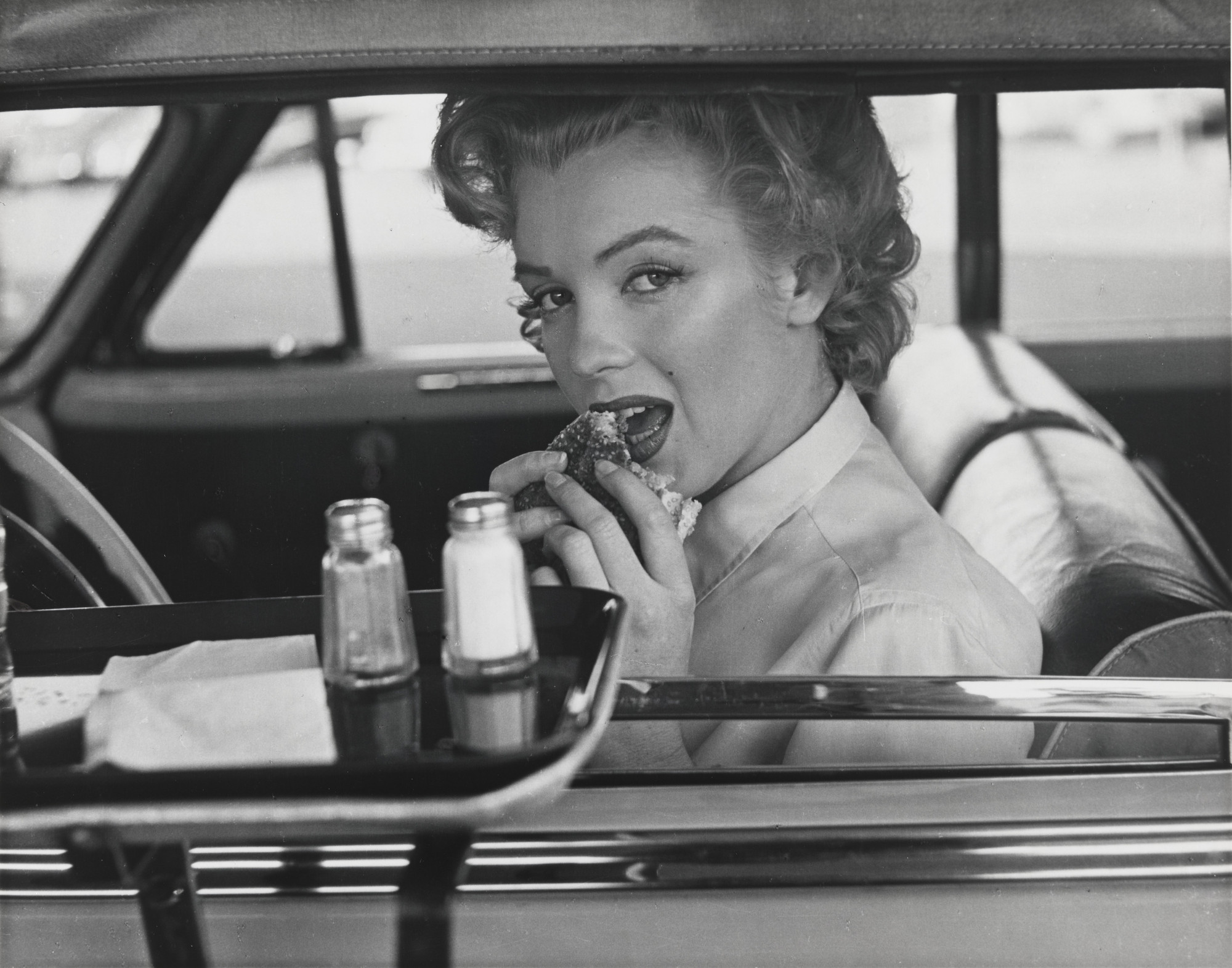 Philippe Halsman. Marilyn Monroe at the Drive-in. 1952