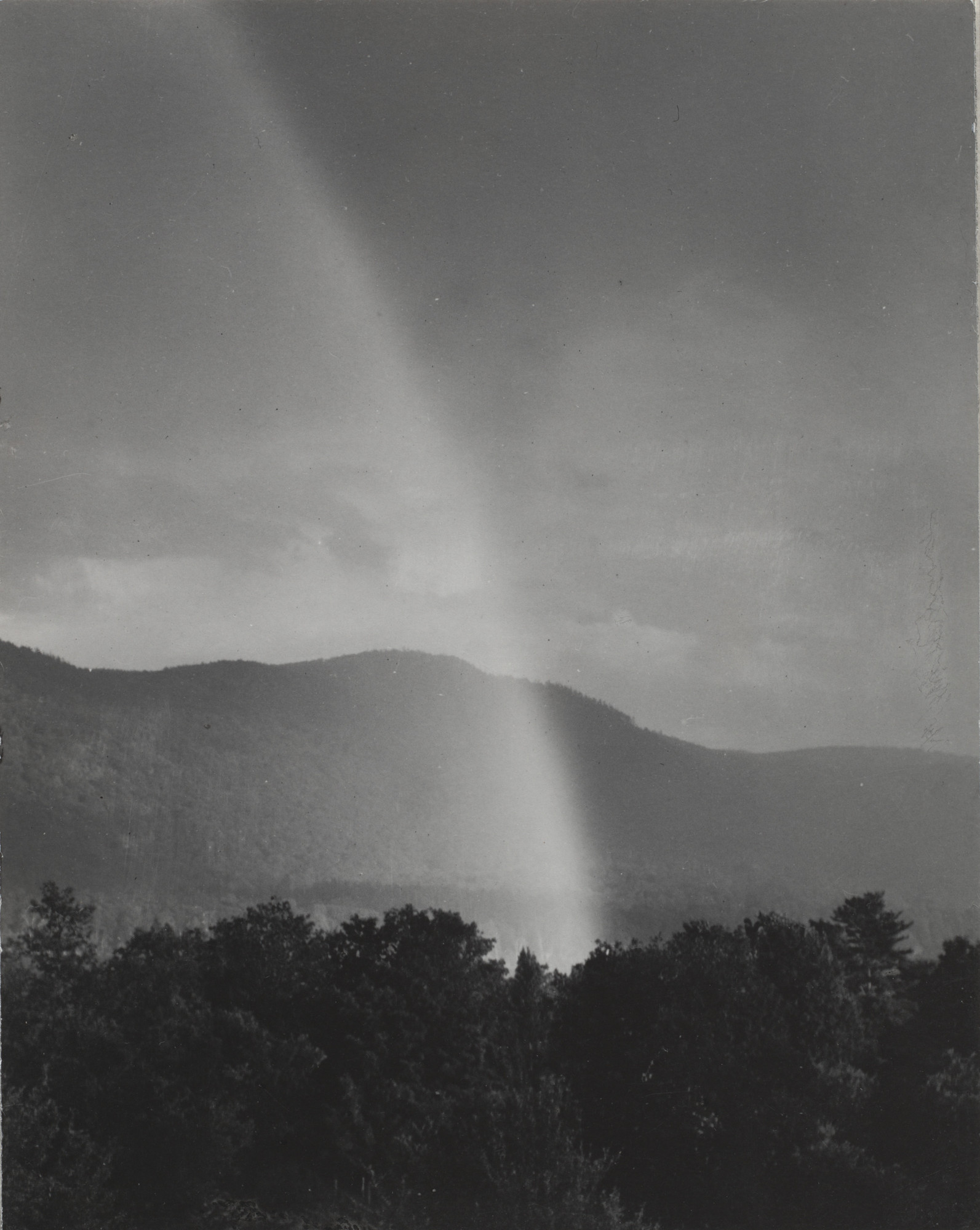 Alfred Stieglitz. Rainbow, Lake George. 1920