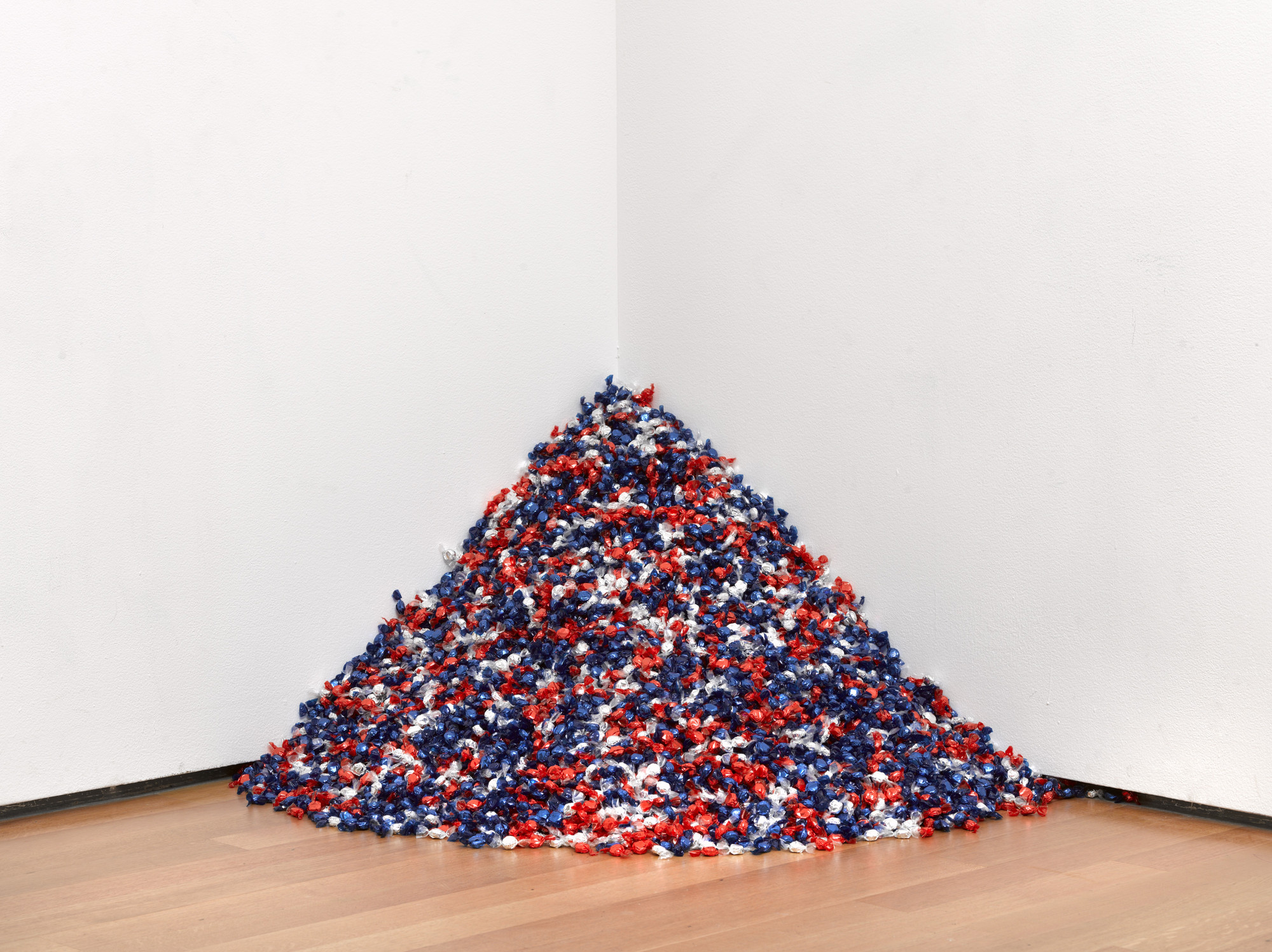 "Felix Gonzalez-Torres. ""Untitled"" (USA Today). 1990"