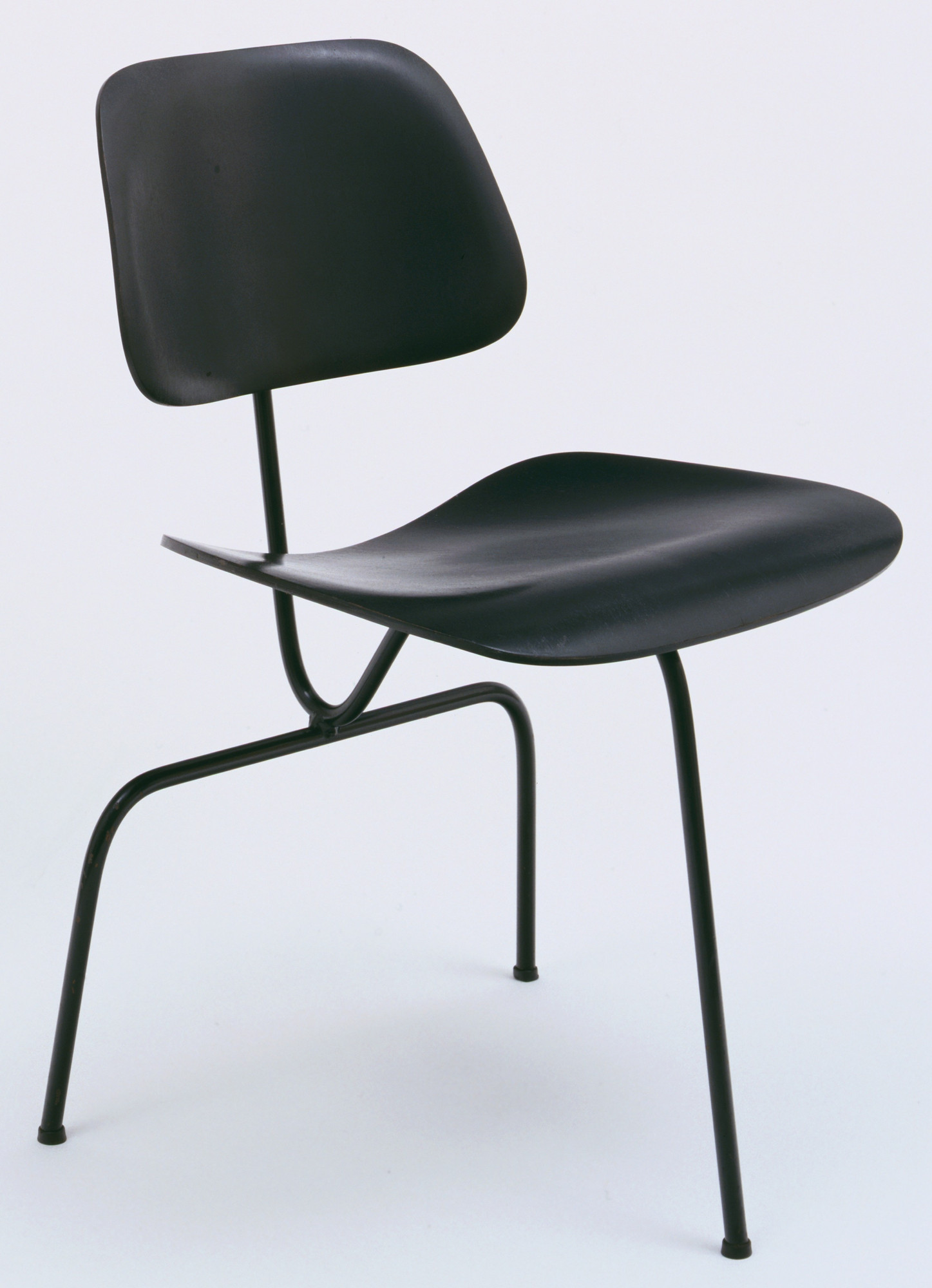 Charles Eames, Ray Eames. Three-Legged Side Chair. c. 1944