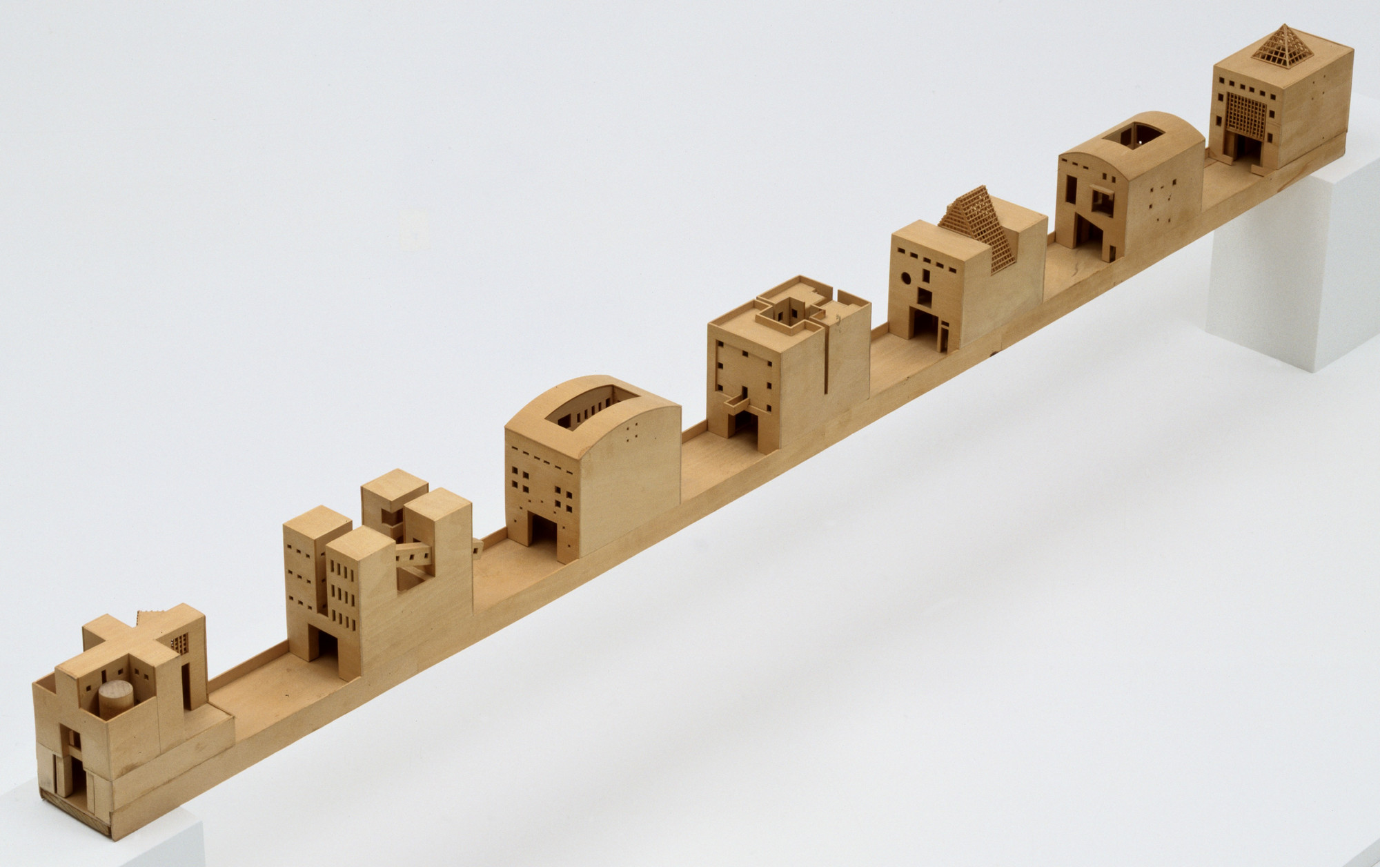 "Steven Holl Architects, Steven Holl, Mark Janson, Joseph Fenton, Suzanne Powadiuk, James Rosen. Bridge of Houses Project, Melbourne, Australia (Scale model 1/16"" = 1'0""). 1979–1982"