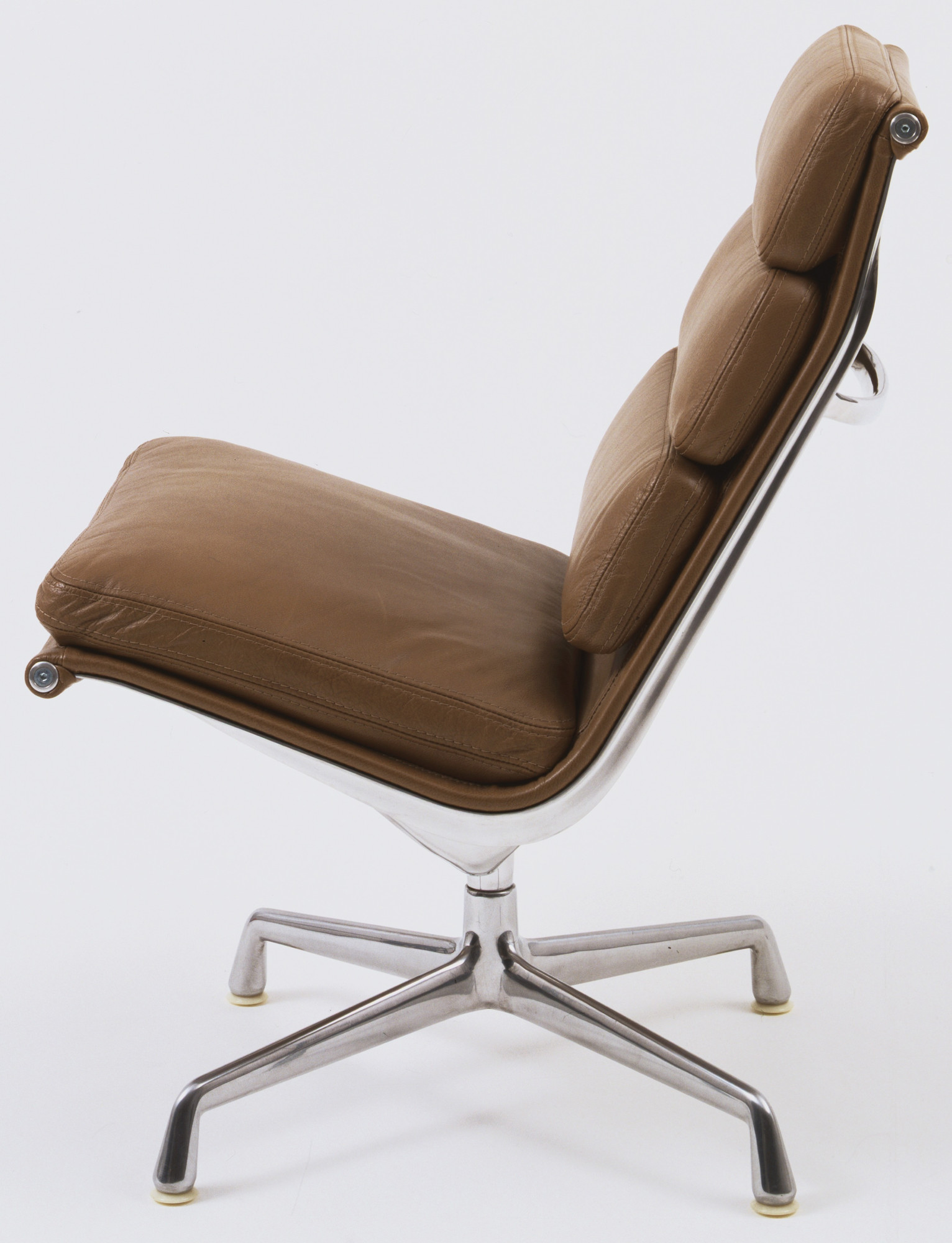 charles eames lounge chair 1969 moma