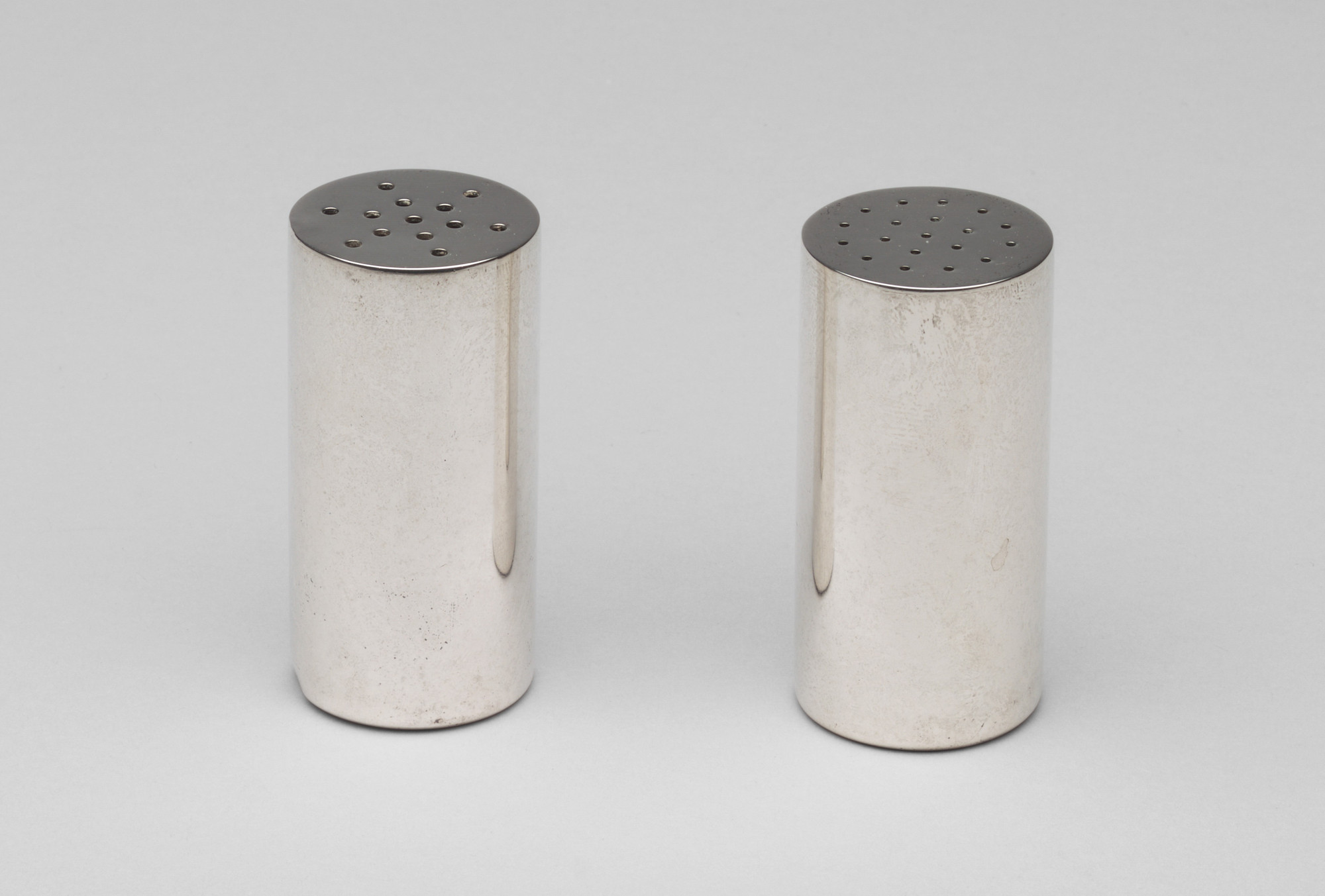 Allan Adler. Salt and Pepper Shakers (Exhibited in the US Pavilion in the 1951 Milan Triennale). 1949