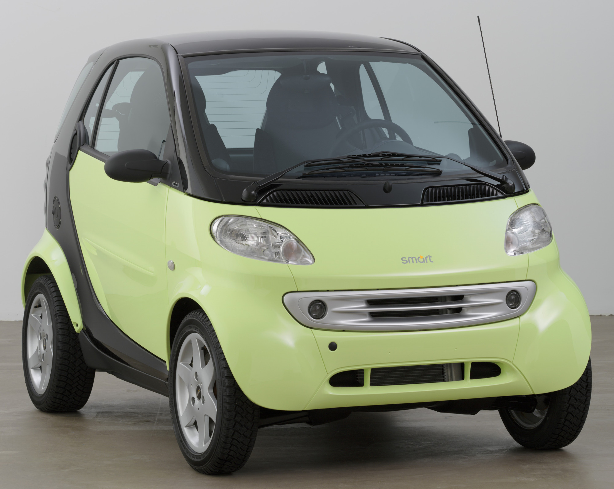 Micro Compact Car Smart Gmbh Renningen Germany And Hambach France