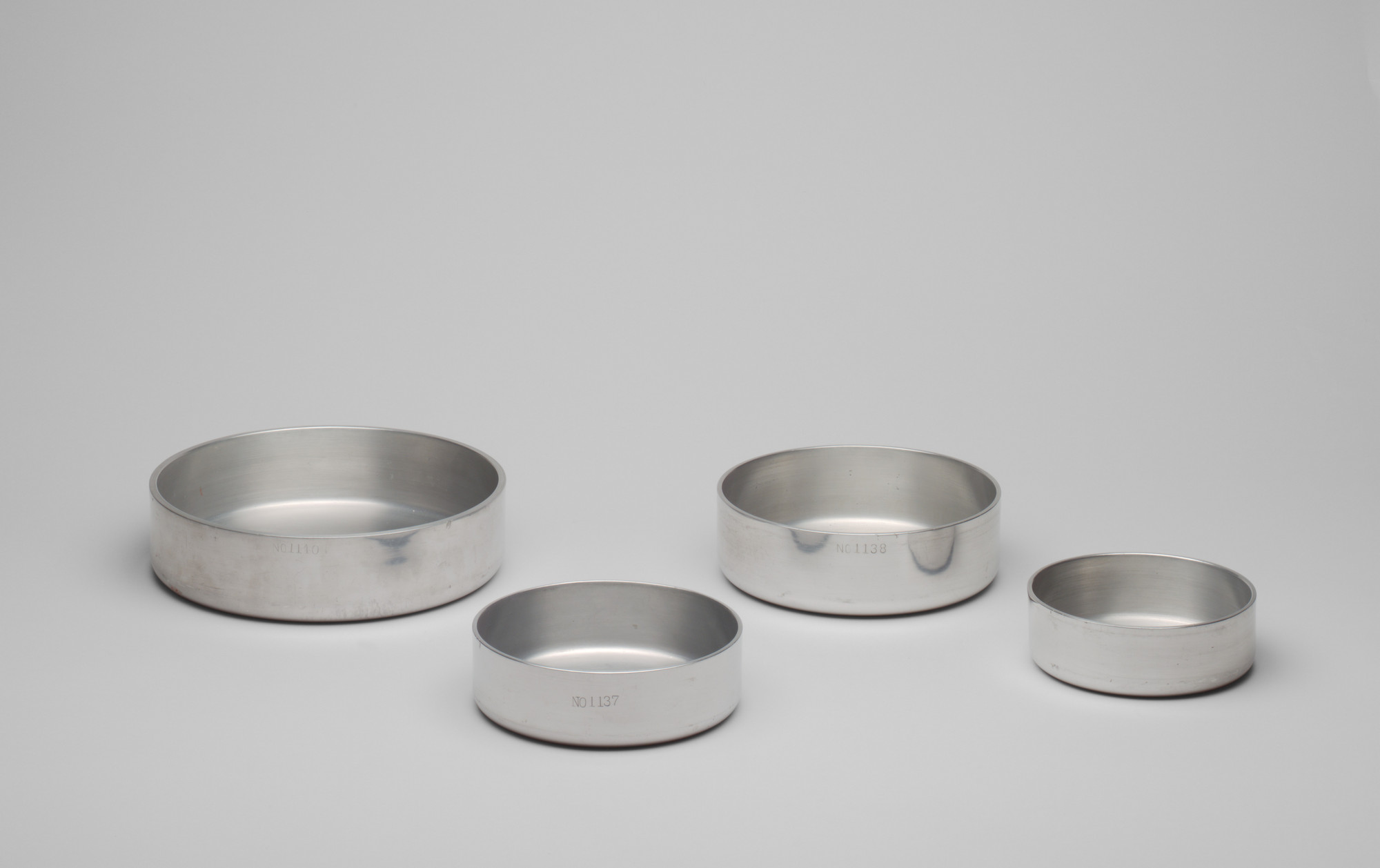 The Aluminum Cooking Utensil Co., New York, NY. Wear-Ever Hotel Sauté Pans. Before 1934