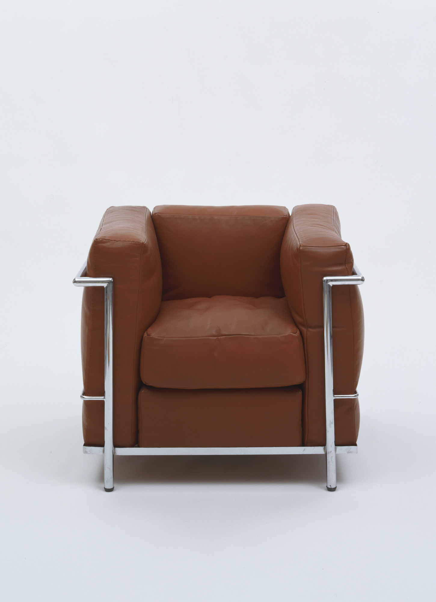 Le Corbusier (Charles-Édouard Jeanneret), Pierre Jeanneret, Charlotte Perriand. Easy Chair (Fauteuil Grand Confort). 1928