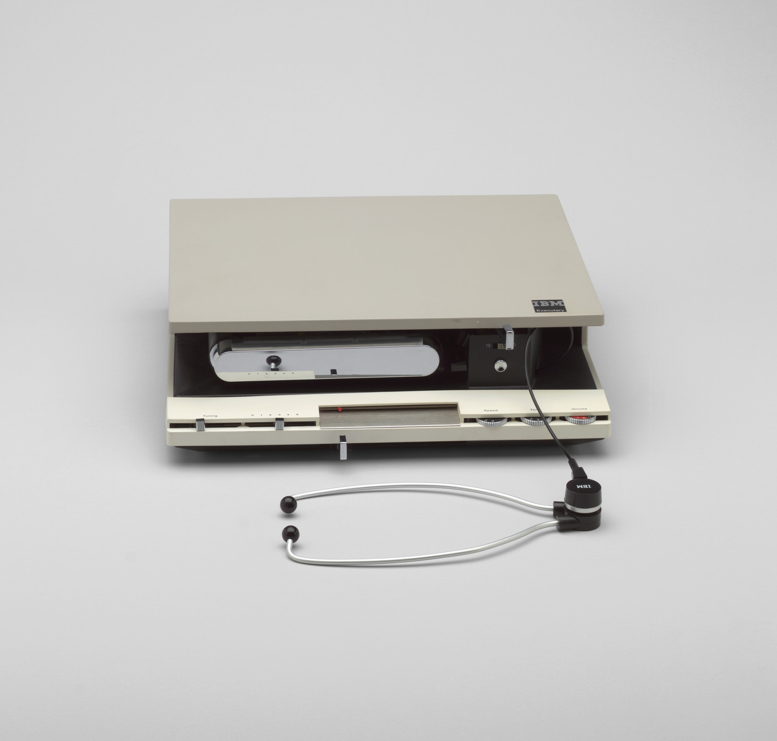 Eliot Noyes and Associates. Executary Transcribing Machine (model 272). 1966