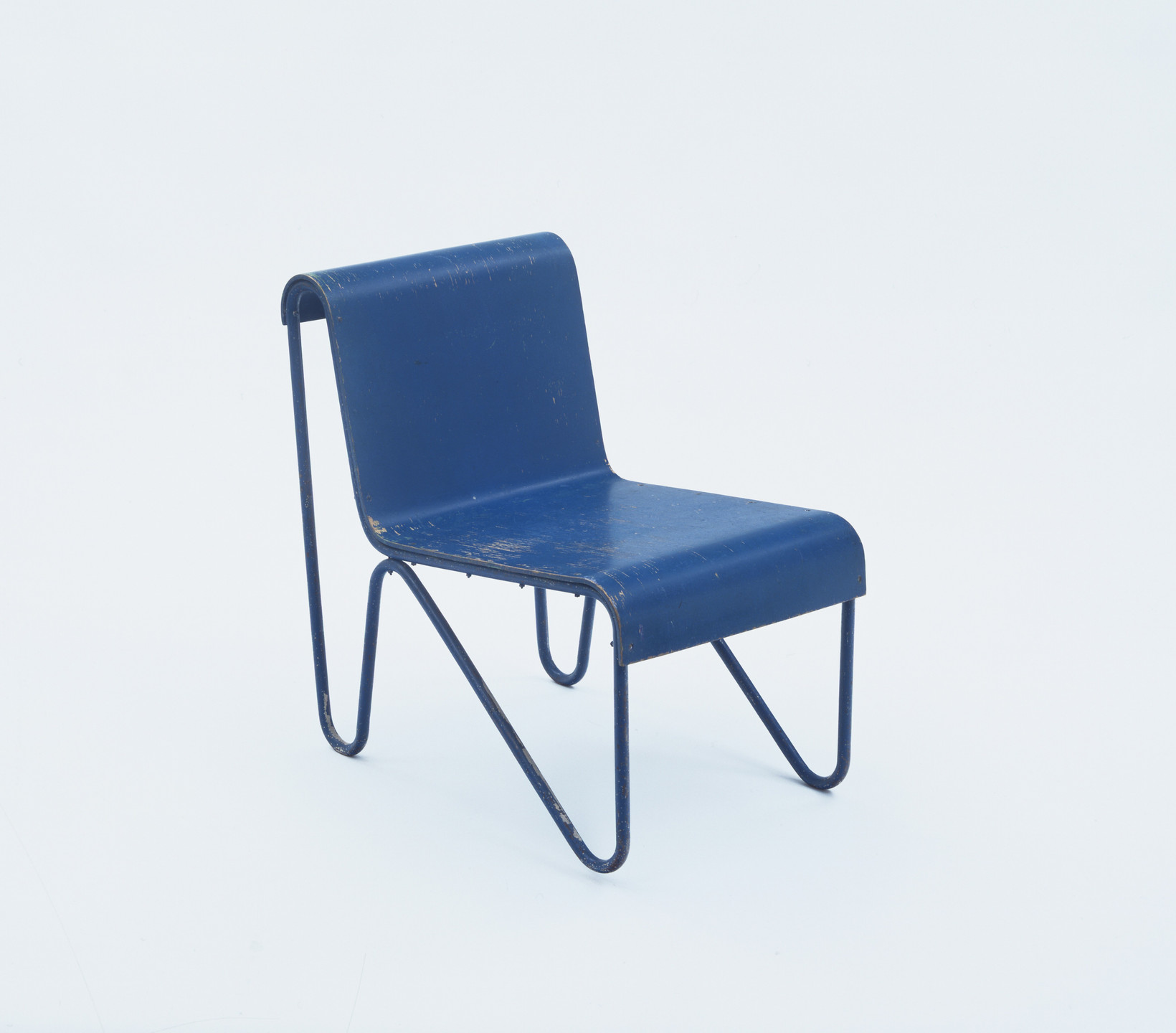 Gerrit Rietveld. Beugel (Bow) Child's Chair. 1927–1930