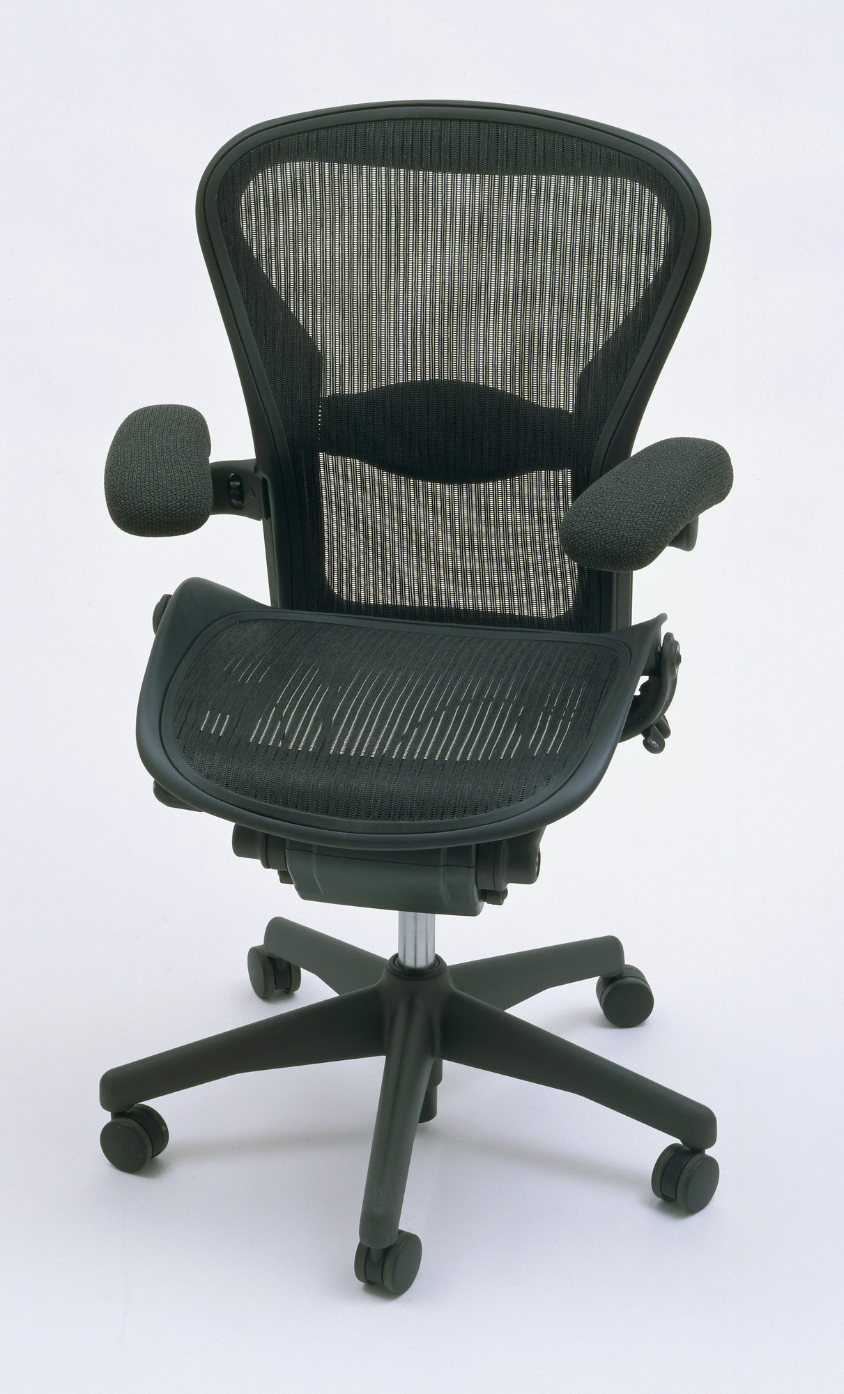 donald t chadwick william stumpf aeron office chair 1992 moma