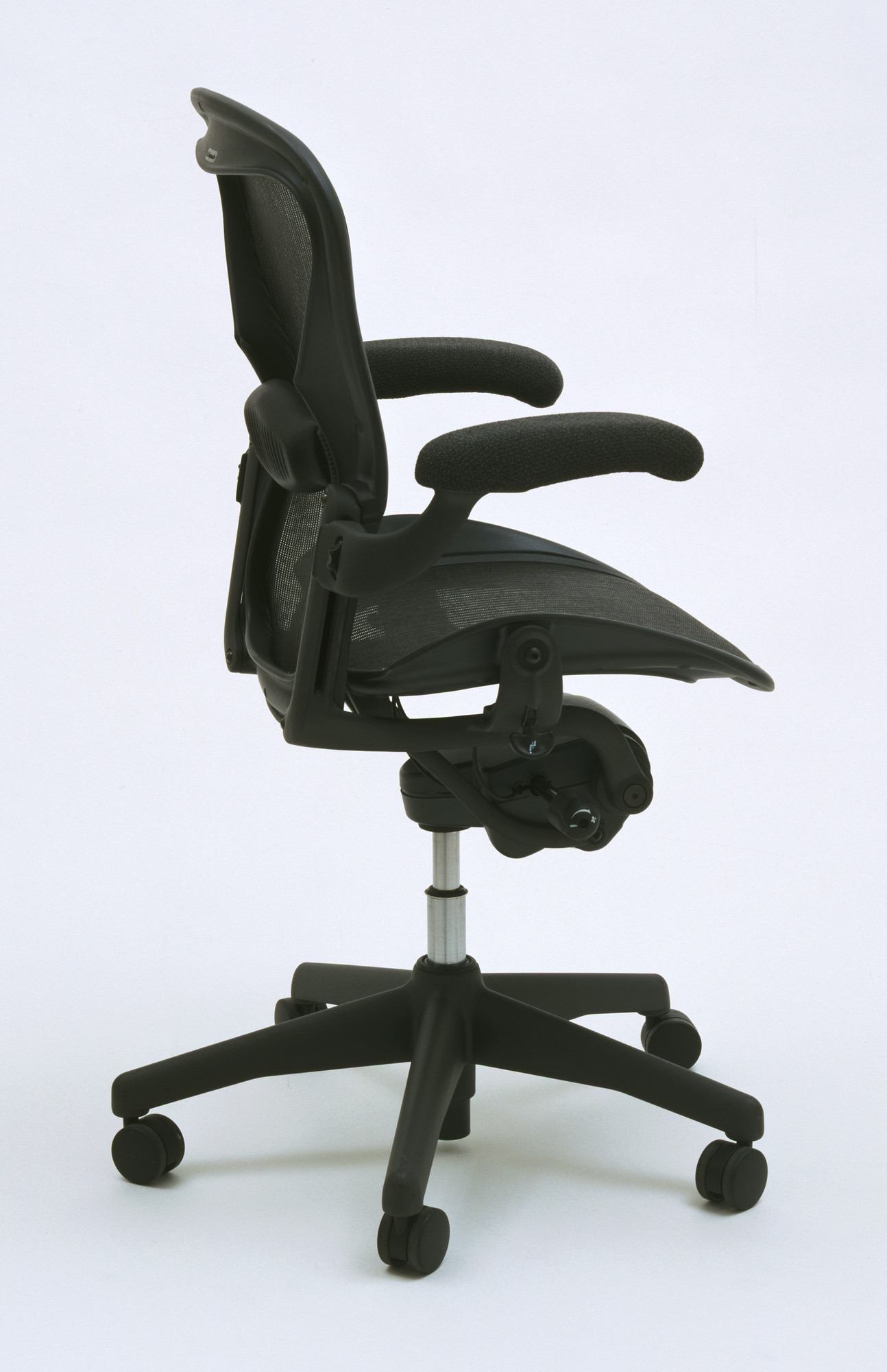 Donald T. Chadwick, William Stumpf. Aeron Office Chair. 1992