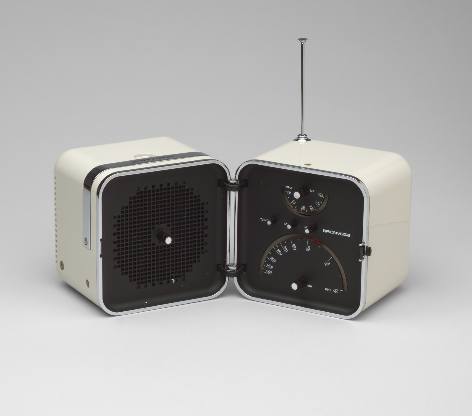 Marco Zanuso, Richard Sapper. Radio (model TS 502). 1963
