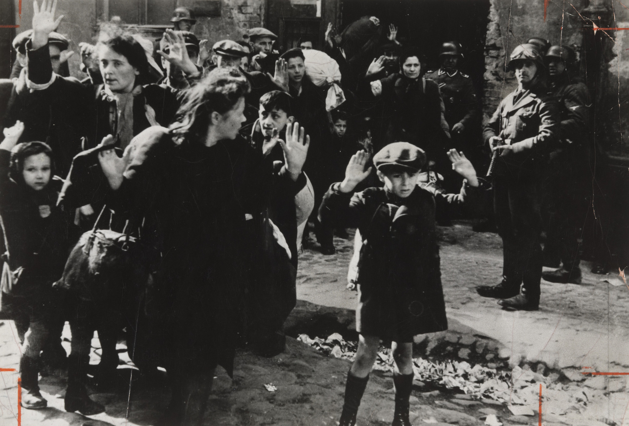 "Associated Press. ""The Warsaw Ghetto"". 1943"