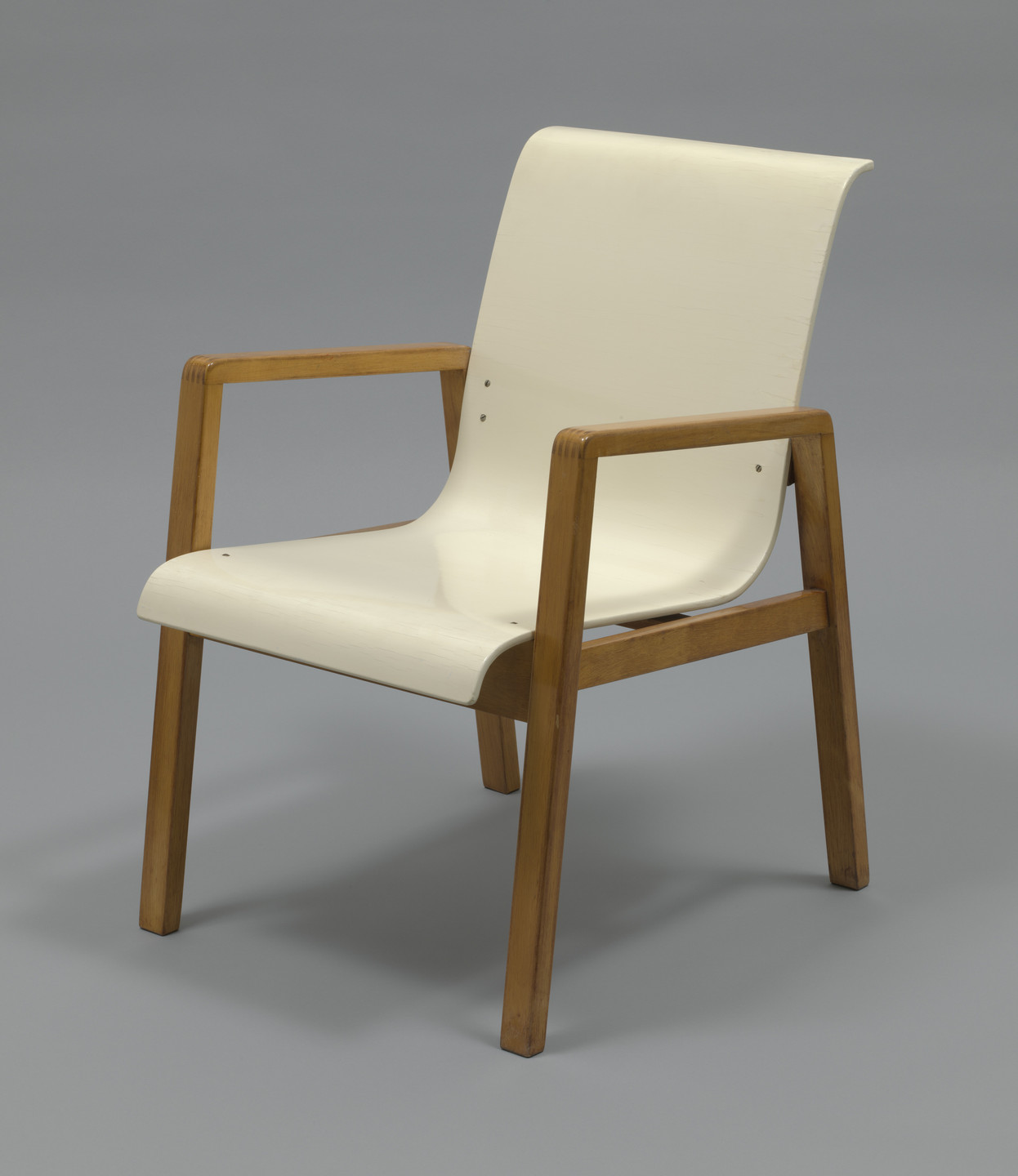 Alvar Aalto. Stacking Armchair (model 403). 1931–1932