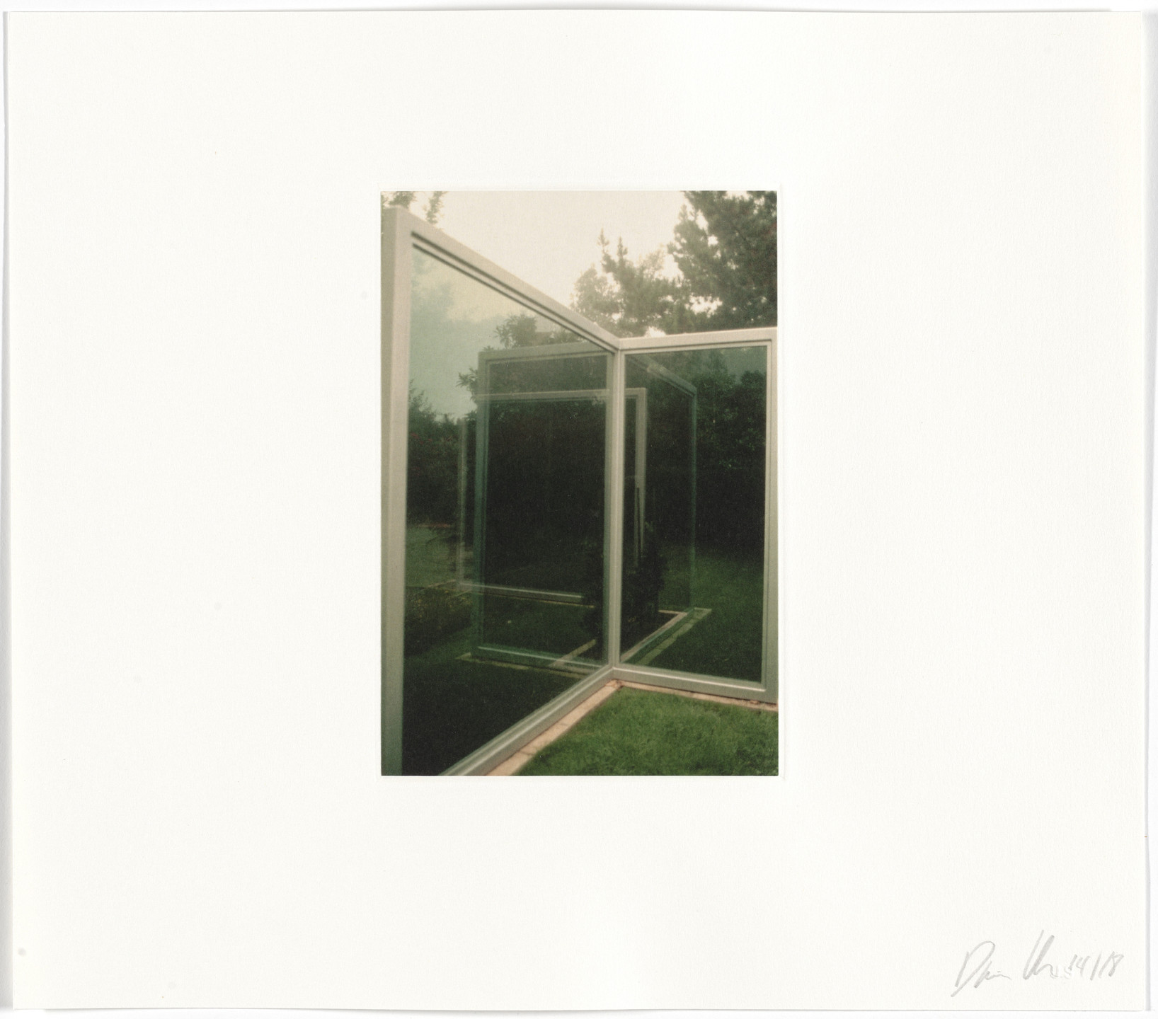 Dan Graham. Untitled from Two-Way Mirror / Hedge Projects. 2004
