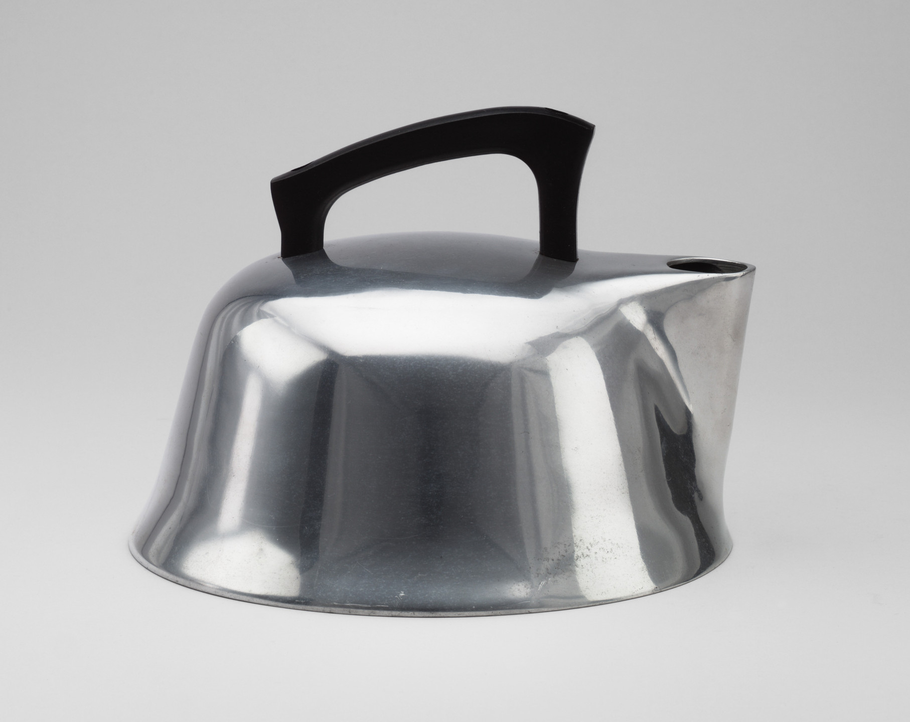 Trace And Warner. Tea Kettle. c. 1939