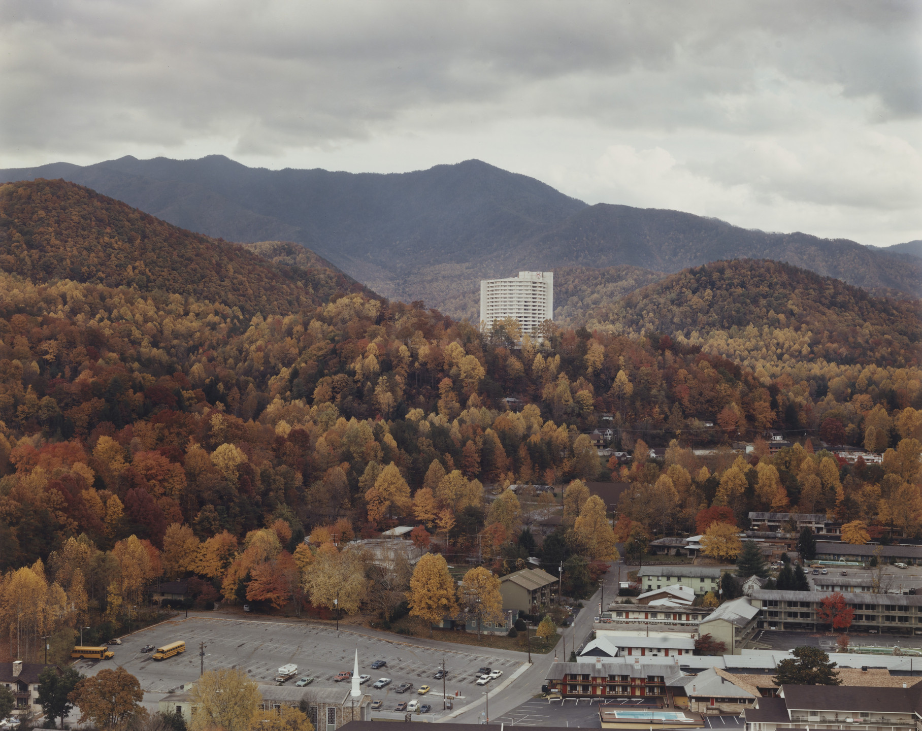 Joel Sternfeld. Gatlinburg, Tennessee. November 1980