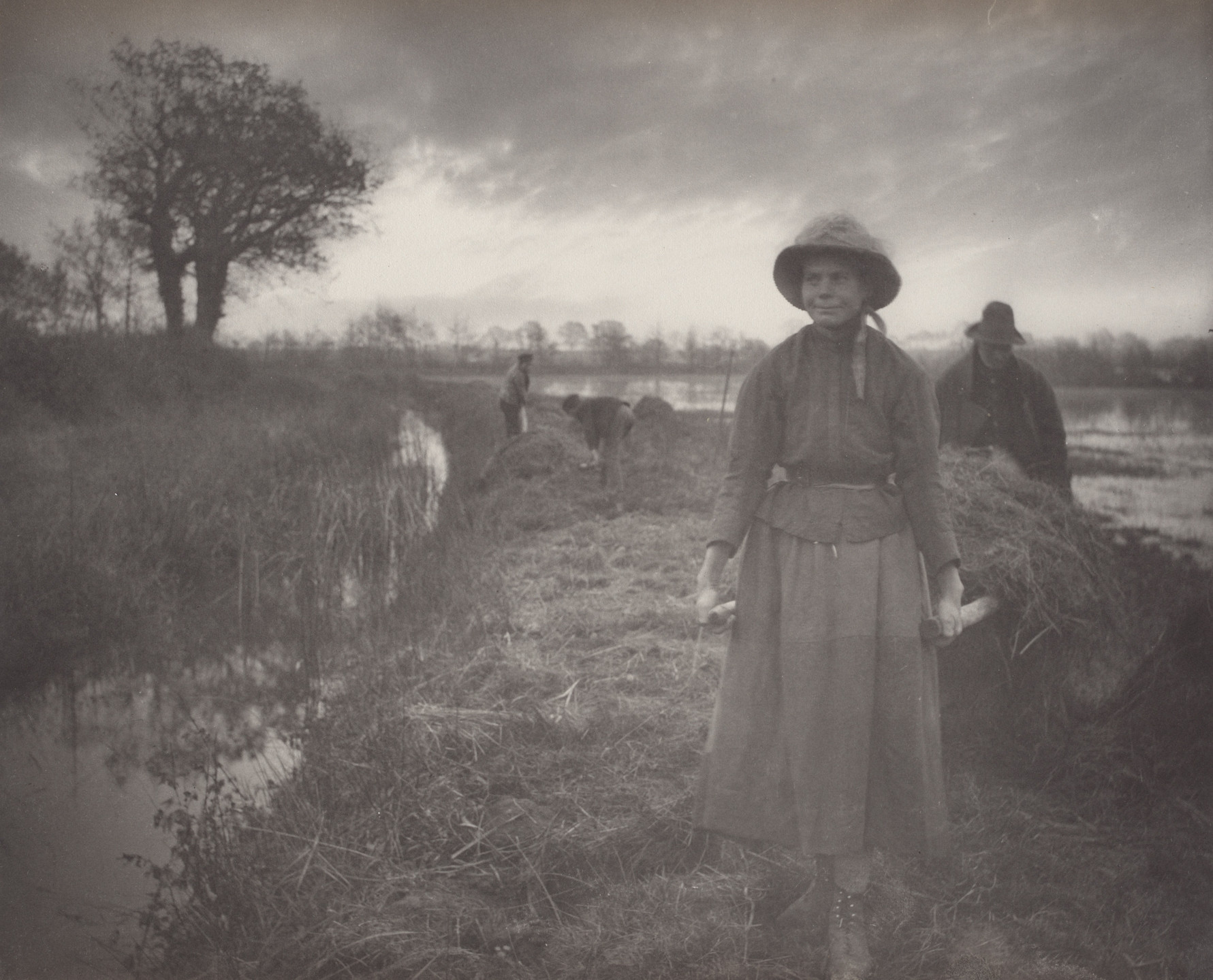 Peter Henry Emerson, T. F. Goodall. Poling the Marsh Hay from Life and Landscape on the Norfolk Broads (London, 1886). c. 1885