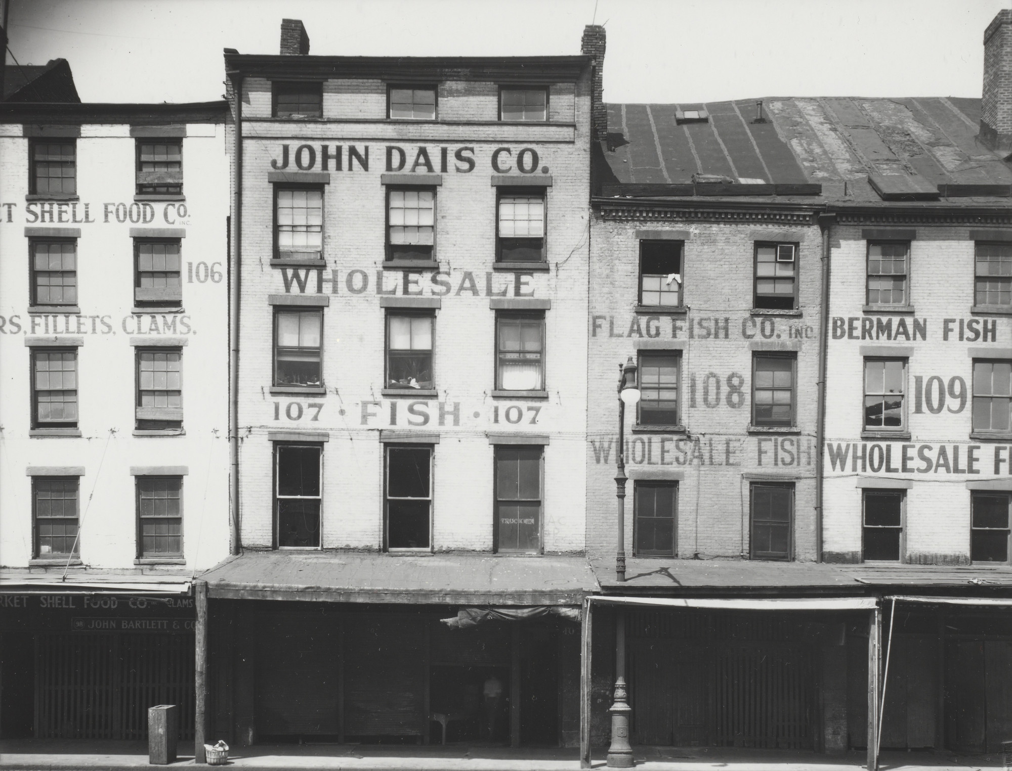 Walker Evans. Fulton Market Area, New York. 1933-34