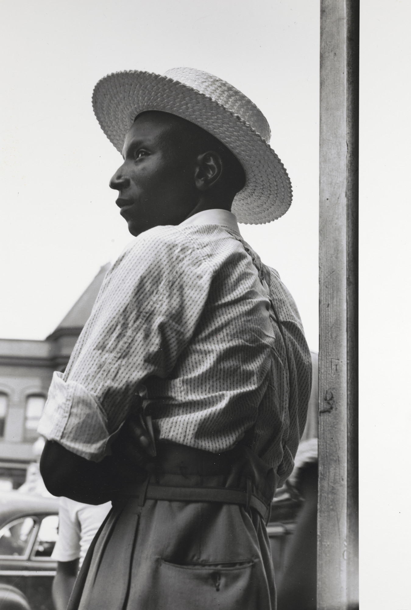 Gordon Parks. Man with Straw Hat, Washington, D.C.. 1942